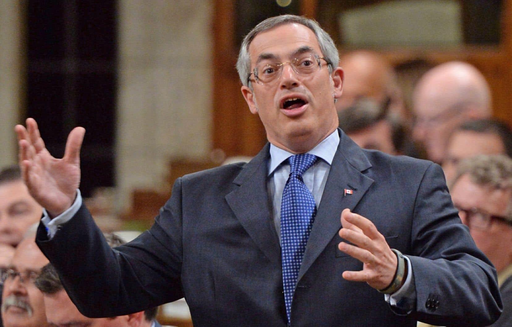 Le président du Conseil du Trésor à Ottawa, Tony Clement
