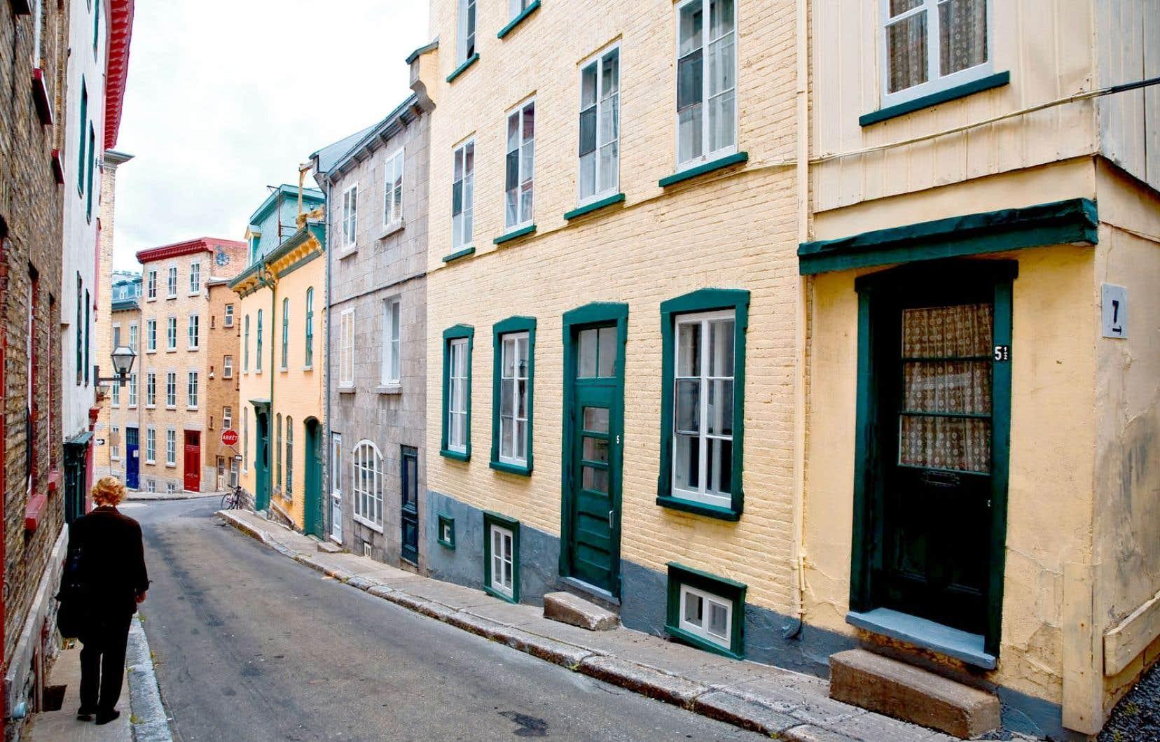 Dans les quartiers déjà très touristiques comme le Vieux-Québec, on craint carrément pour la vie de quartier.