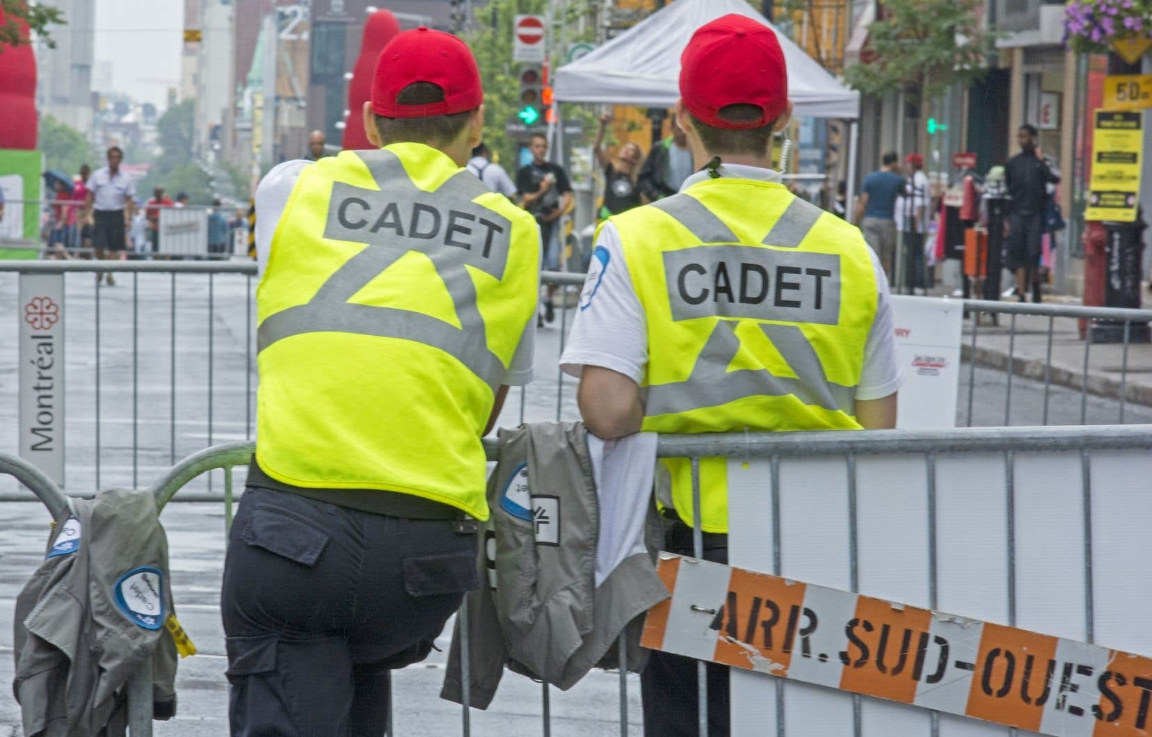 Le geste fait écho à la décision de la Fraternité des policiers du SPVM de porter la casquette rouge pour exprimer leur insatisfaction.