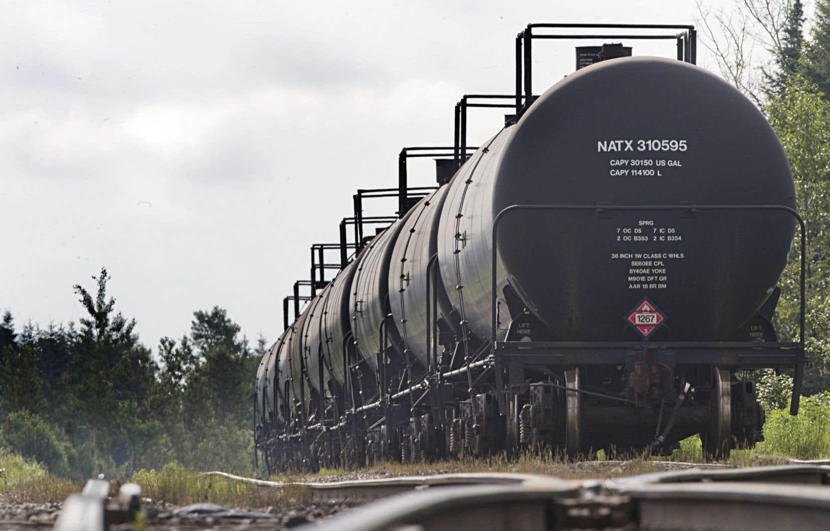 Le BST avait déjà émis des recommandations préliminaires en janvier dernier, dont l'une a mené Ottawa à ordonner le retrait de 5000 wagons-citernes de classe DOT-111.<br />
