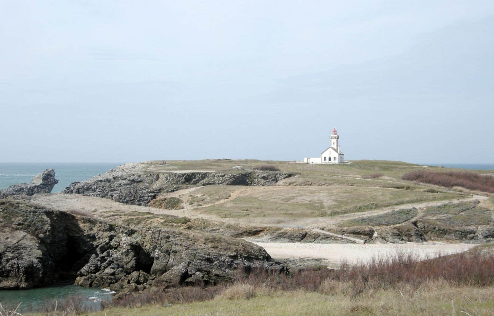 Le phare de la Pointe des Poulains, à Belle-Île-en-Mer, une île qui respire littéralement l'Acadie.