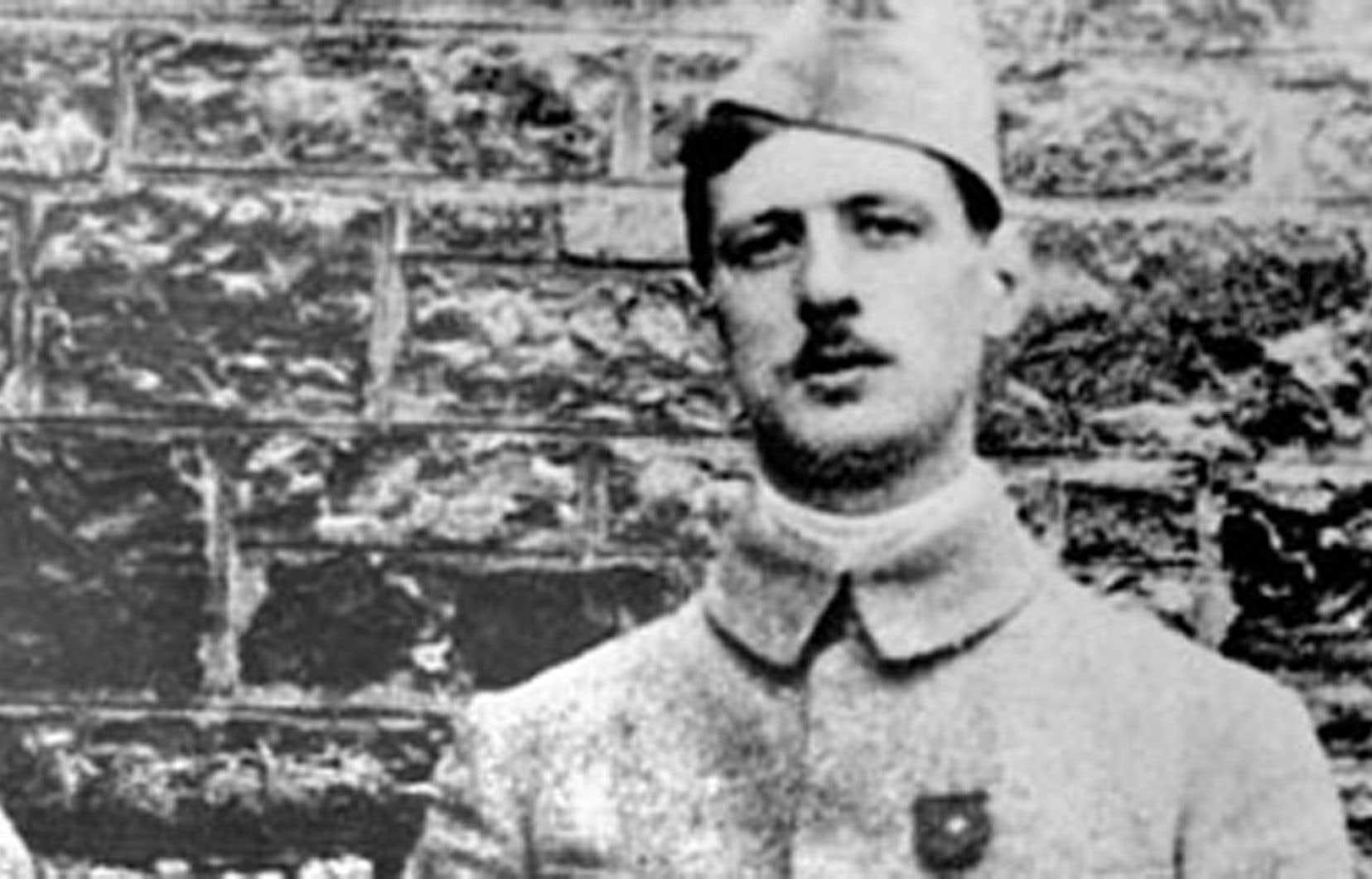 Charles de Gaulle photographié lors de la Première Guerre mondiale