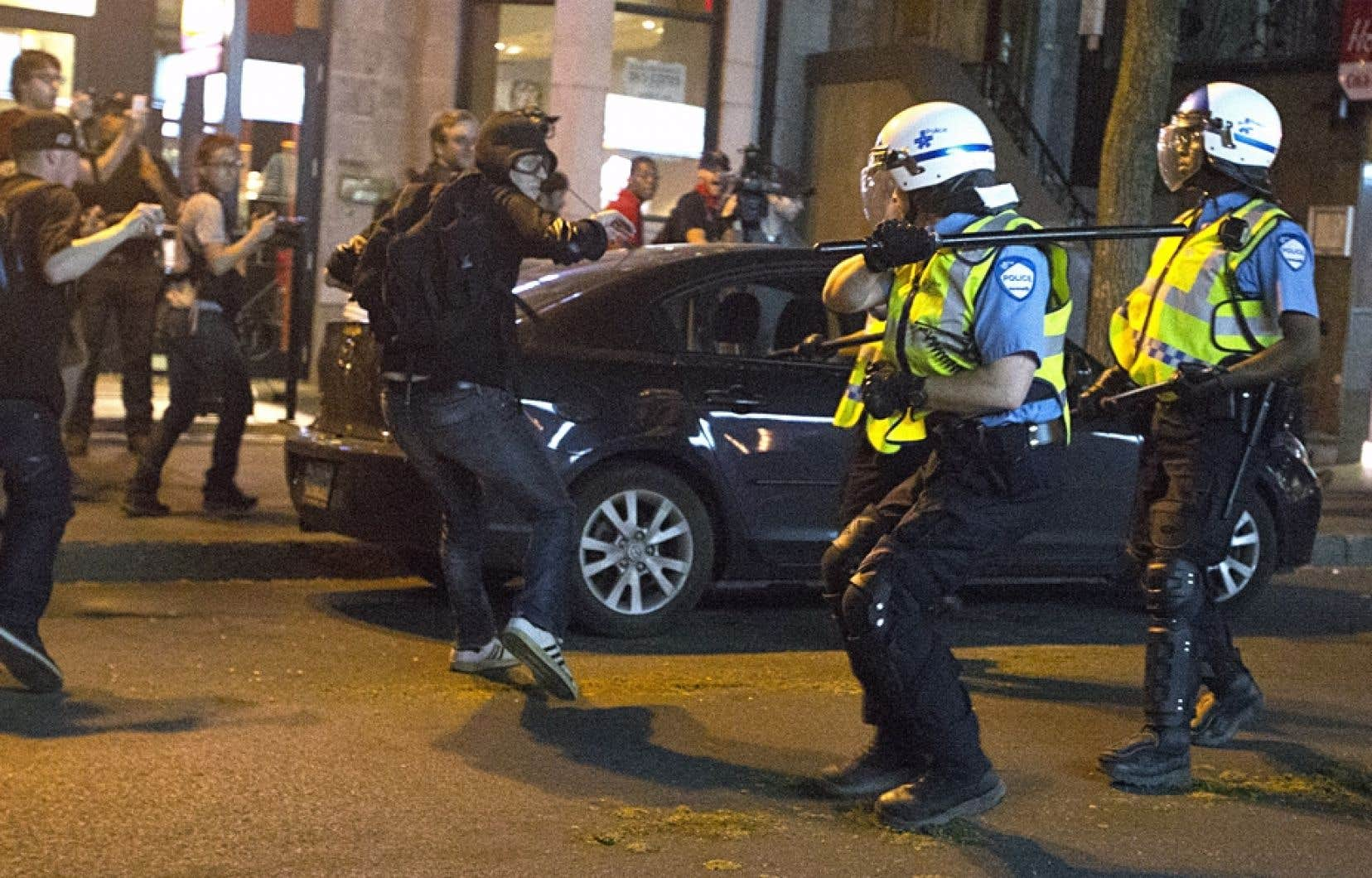 Intervention policière lors d'une manifestation étudiante en mars 2013
