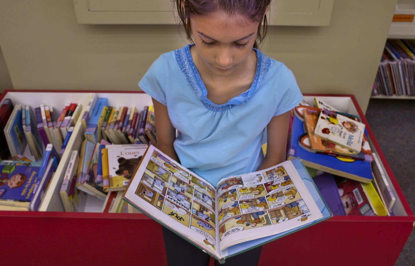 <em>«Il n'y a pas un enfant qui va mourir de ça et qui va s'empêcher de lire, parce qu'il existe déjà des livres</em> [dans les bibliothèques]», affirme le ministre Yves Bolduc.