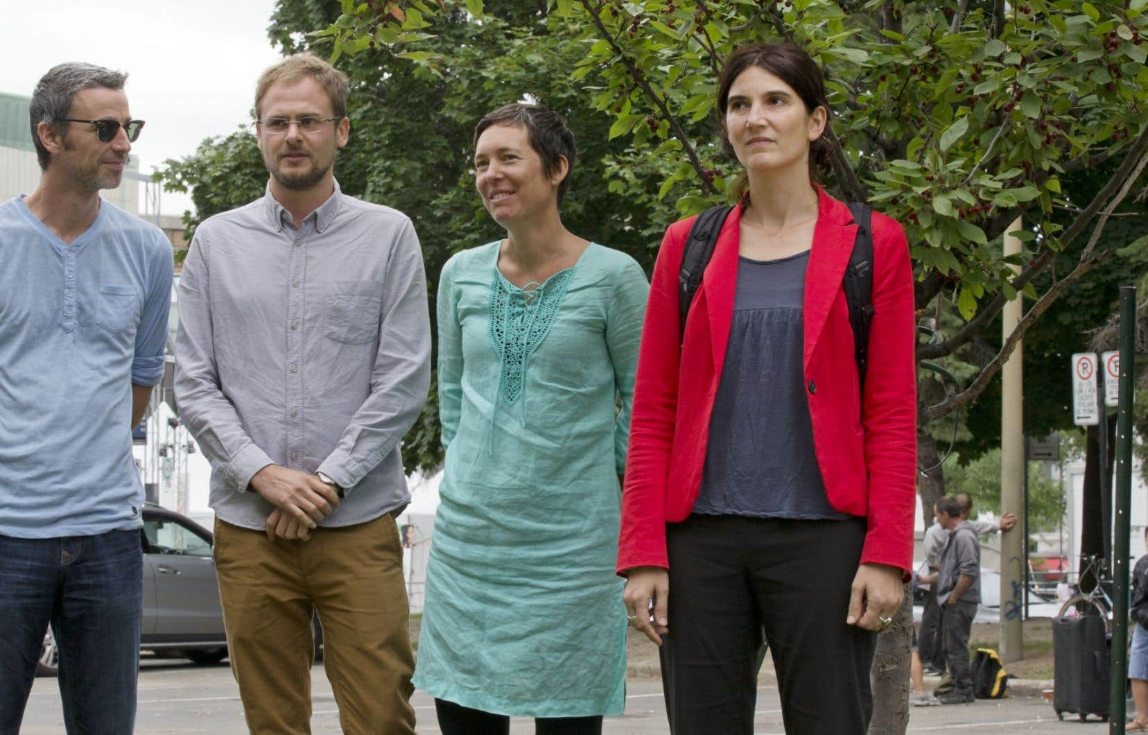 Martin Jalbert, Adrien Jouan, Judith Rouan et Linda Guerry, du Collectif éducation sans frontières