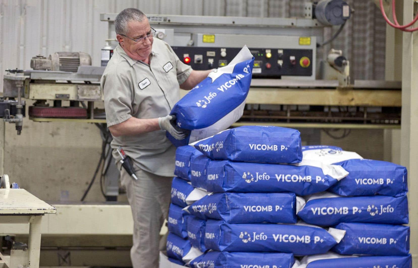 Le secteur manufacturier québécois a de la difficulté à sortir de sa torpeur.
