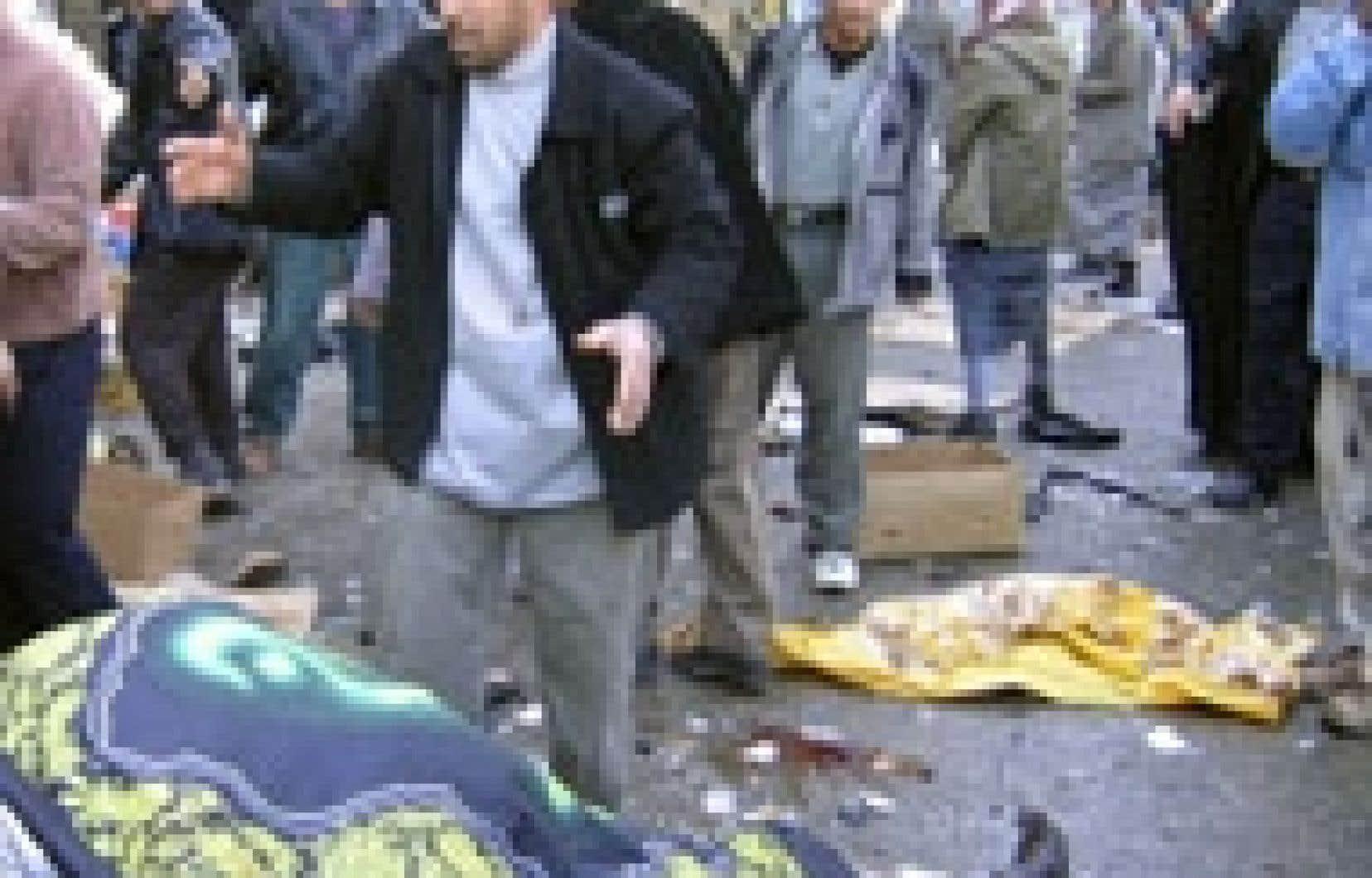 Le chaos règnait hier à Kerbala sur les lieux d'un attentat suicide.