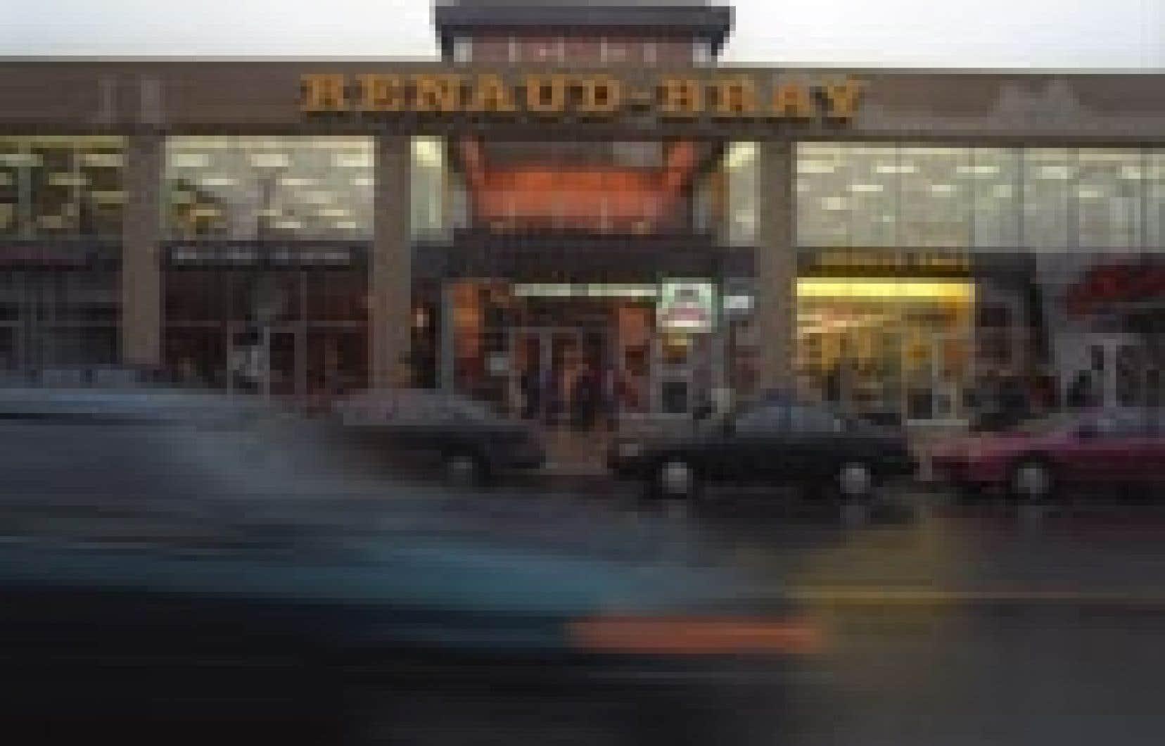Le conflit de travail chez Renaud-Bray touche 11 des 26 succursales de la chaîne de librairies.