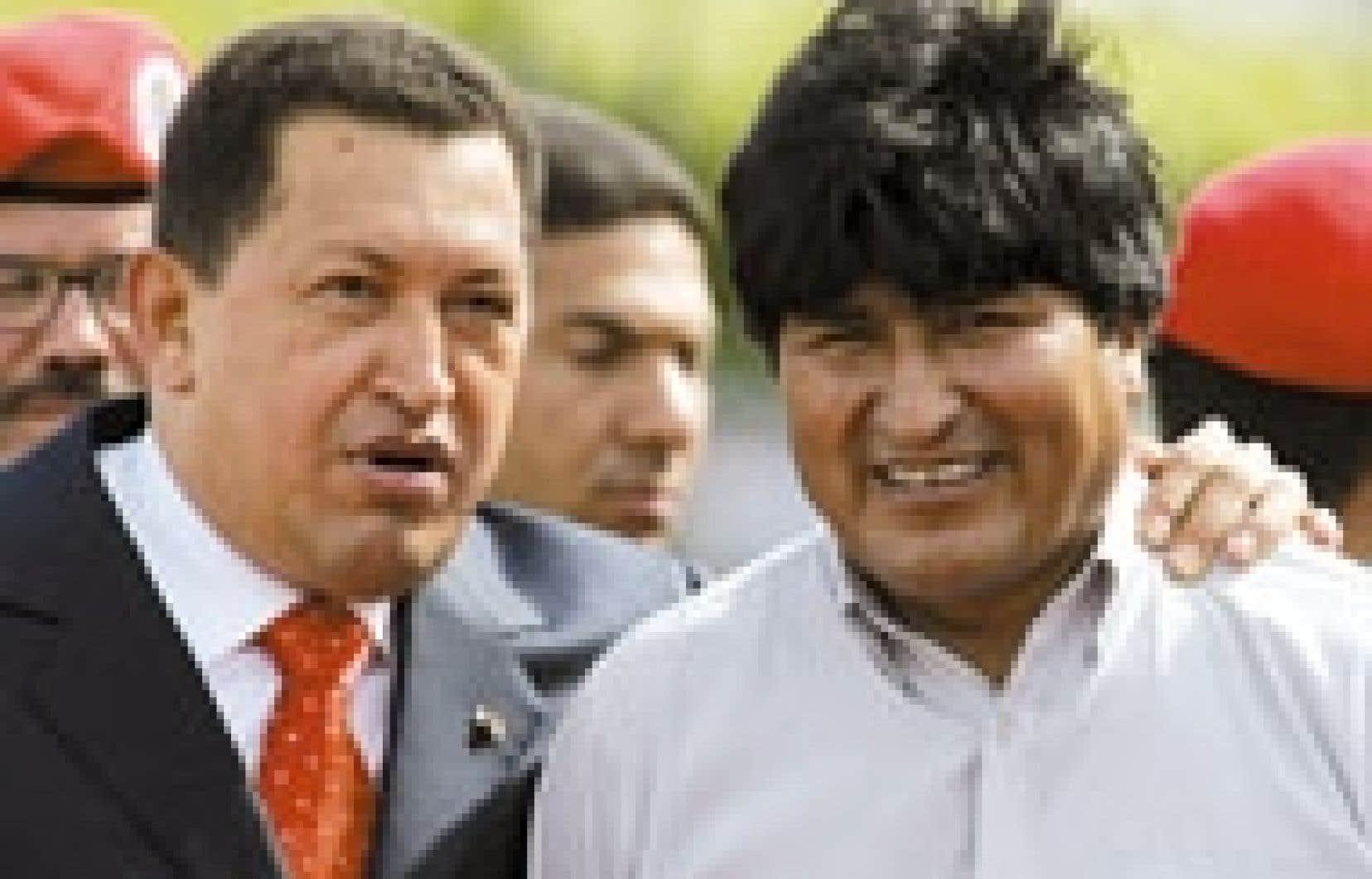 Hugo Chavez (à gauche) et Evo Morales, hier.