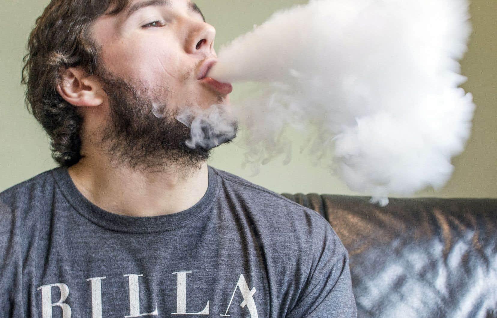 Santé Canada estime que les cigarettes électroniques se qualifient comme des «drogues» et doivent, pour être autorisées, se soumettre au long processus d'homologation prévu pour les médicaments.
