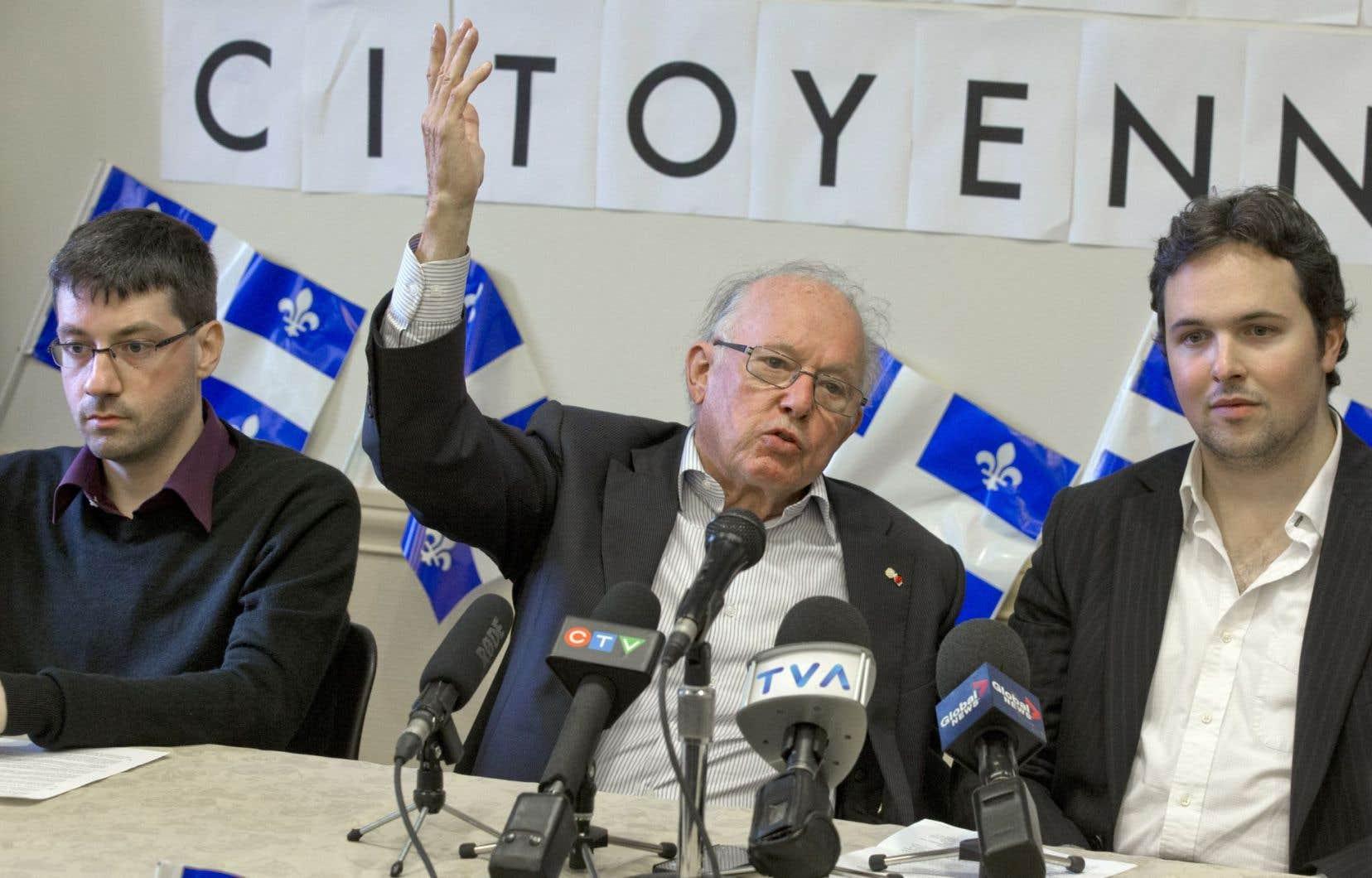 Bernard Landry, sans discréditer «l'autre Bernard», a remis en question son plan pour un référendum en 2023.