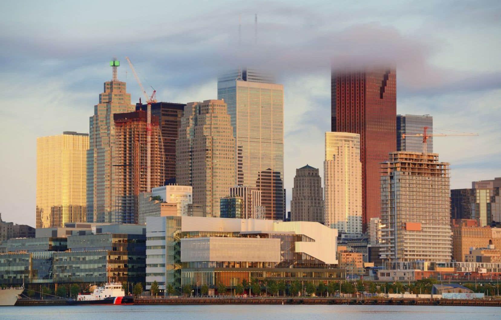 Toronto a réclamé et obtenu en 2006 un statut privilégié parmi les villes ontariennes. Ce statut lui a permis d'accroître ses champs de compétence.