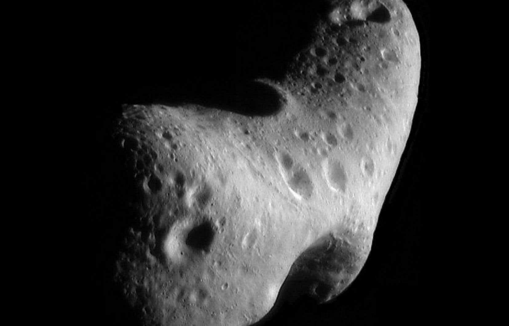 L'astéroïde Eros, observé par la NASA en 2012.