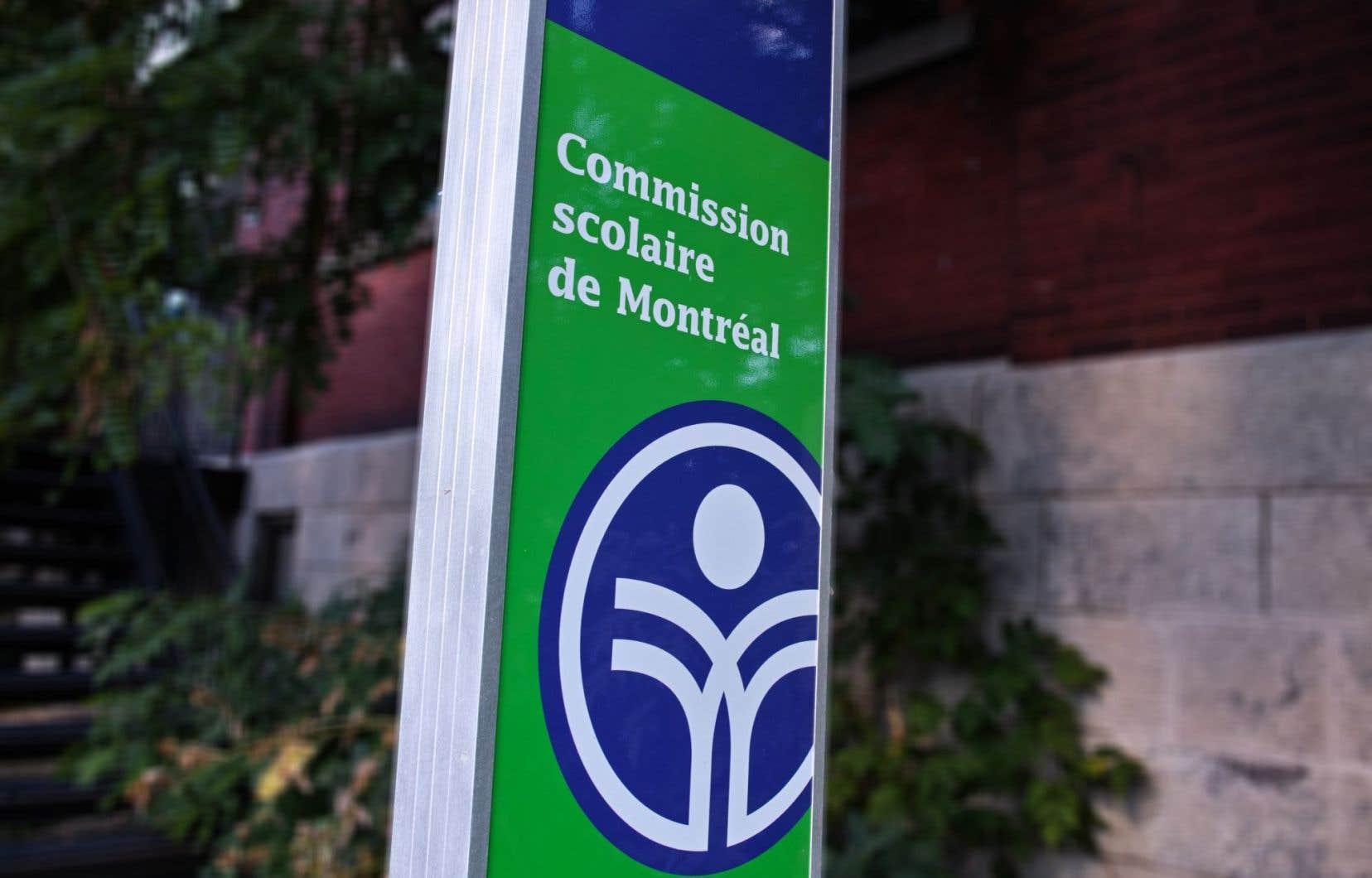 Il y a quelques jours, la présidente de la CSDM, Catherine Harel-Bourdon, avait fait une sortie médiatique pour dénoncer les compressions de 9 millions.
