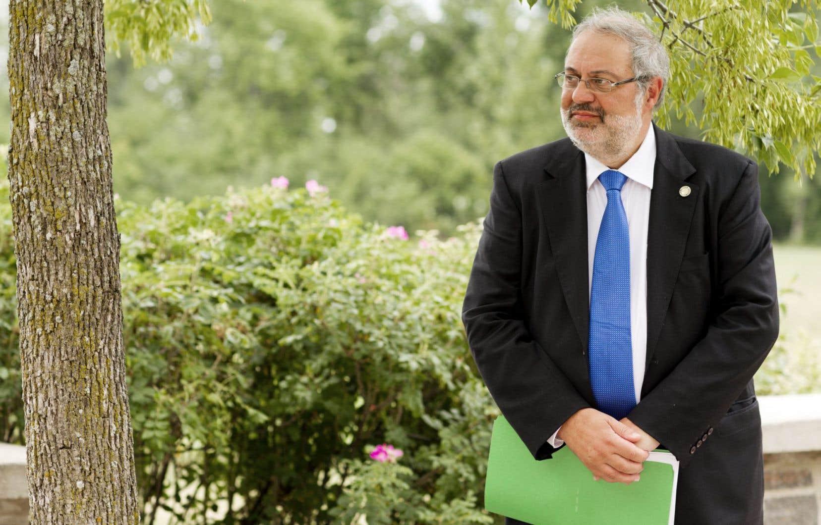 Pierre Arcand a fait adopter au Conseil des ministres un «décret de préoccupation».