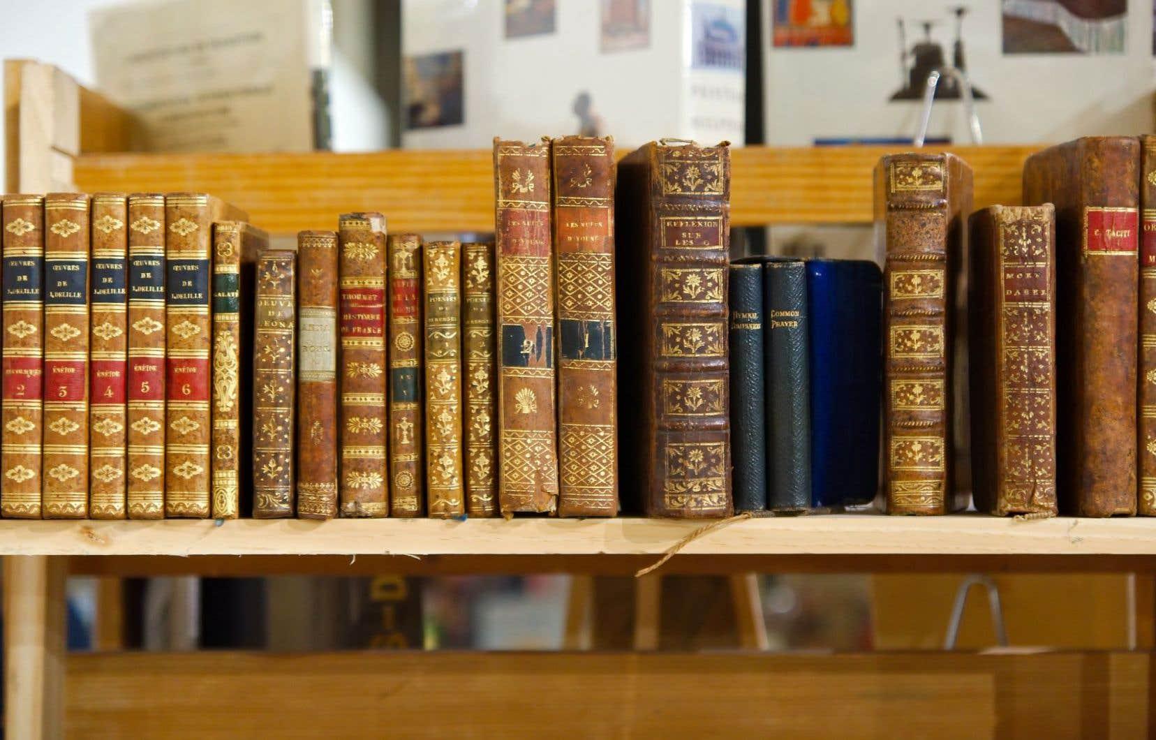 Le Salon du livre ancien promet son lot d'éditions originales, d'autographes, de reliures somptueuses, de gravures, de cartes anciennes et autres.
