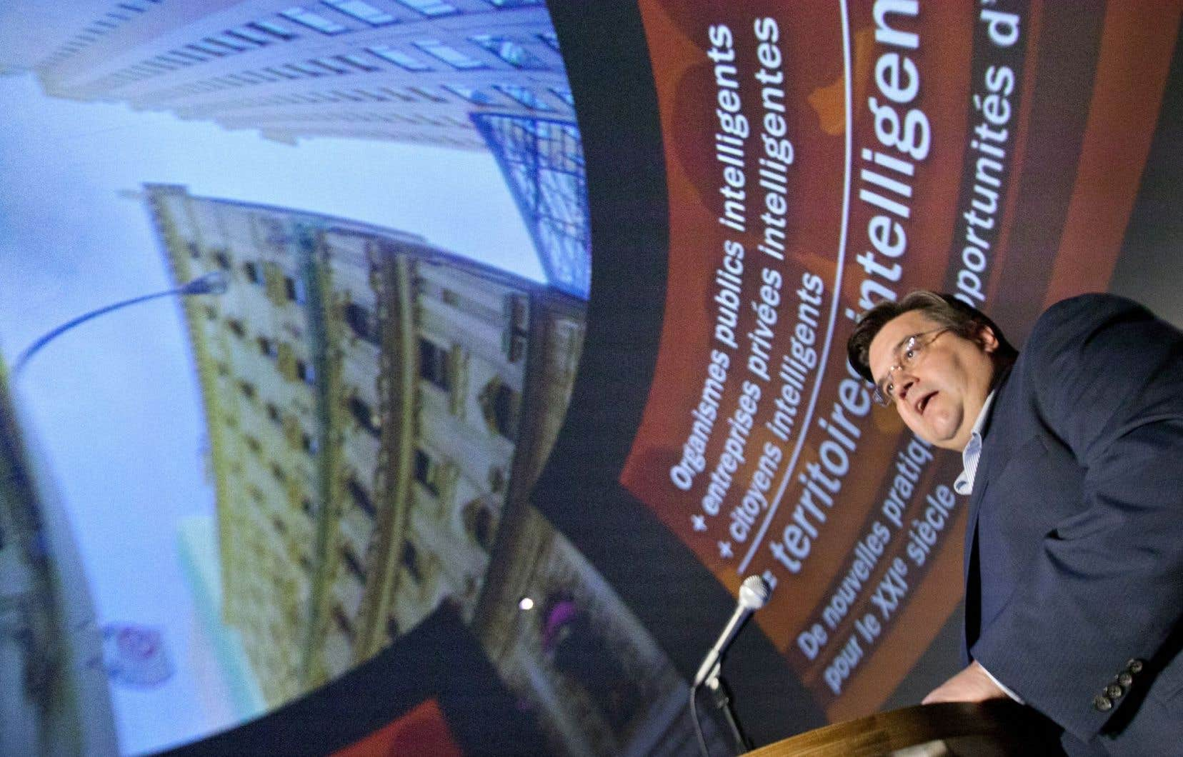 Denis Coderre au forum Webcom Montréal en juin2013, alors qu'il était candidat à la mairie de la ville.