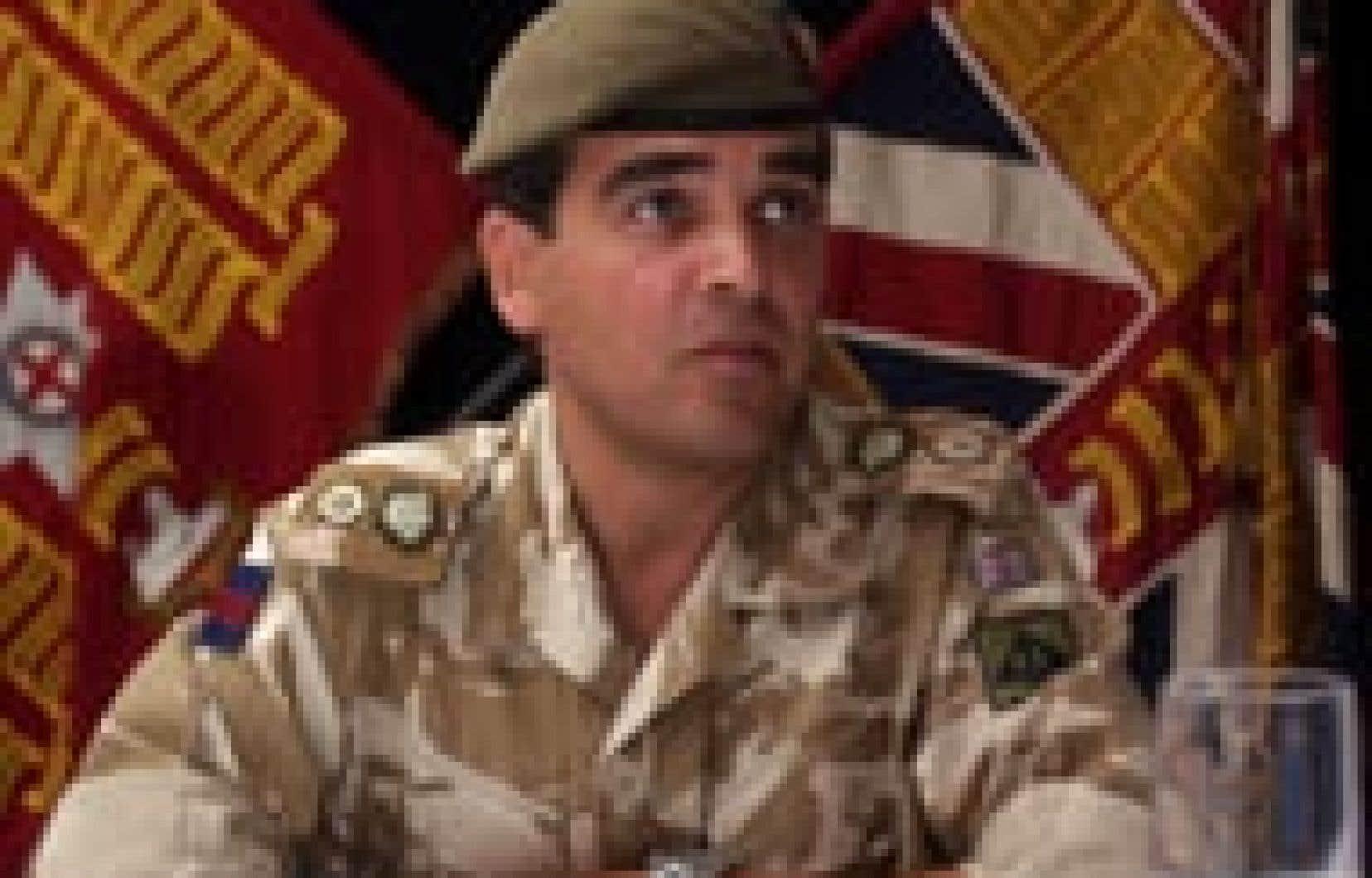 Le colonel Nick Henderson, qui a mené l'opération contre une prison irakienne, s'est adressé à la presse hier.