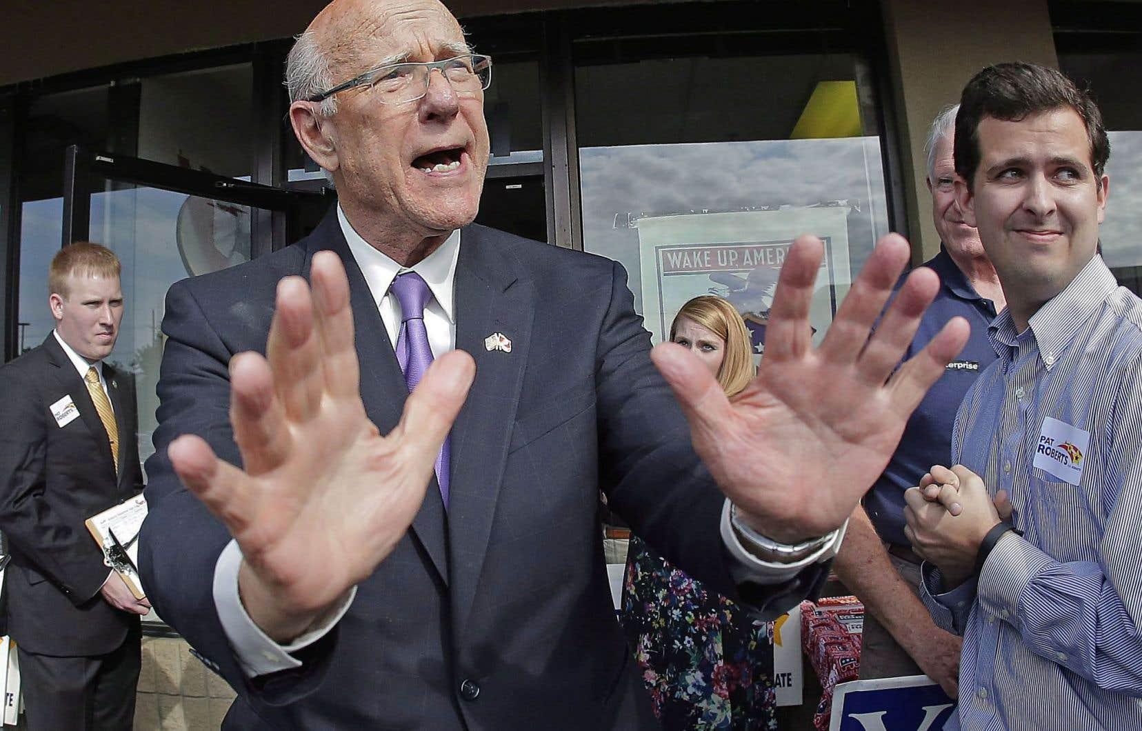 Au Kansas, le républicain Pat Roberts s'est fait le chantre de l'interdiction des vols vers les États africains touchés par l'épidémie.