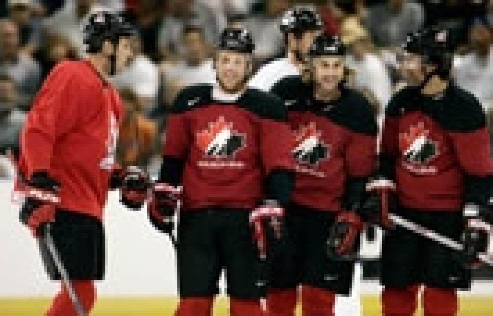 Les joueurs de l'équipe canadienne ont pris part hier à un camp pré-olympique à Kelowna.