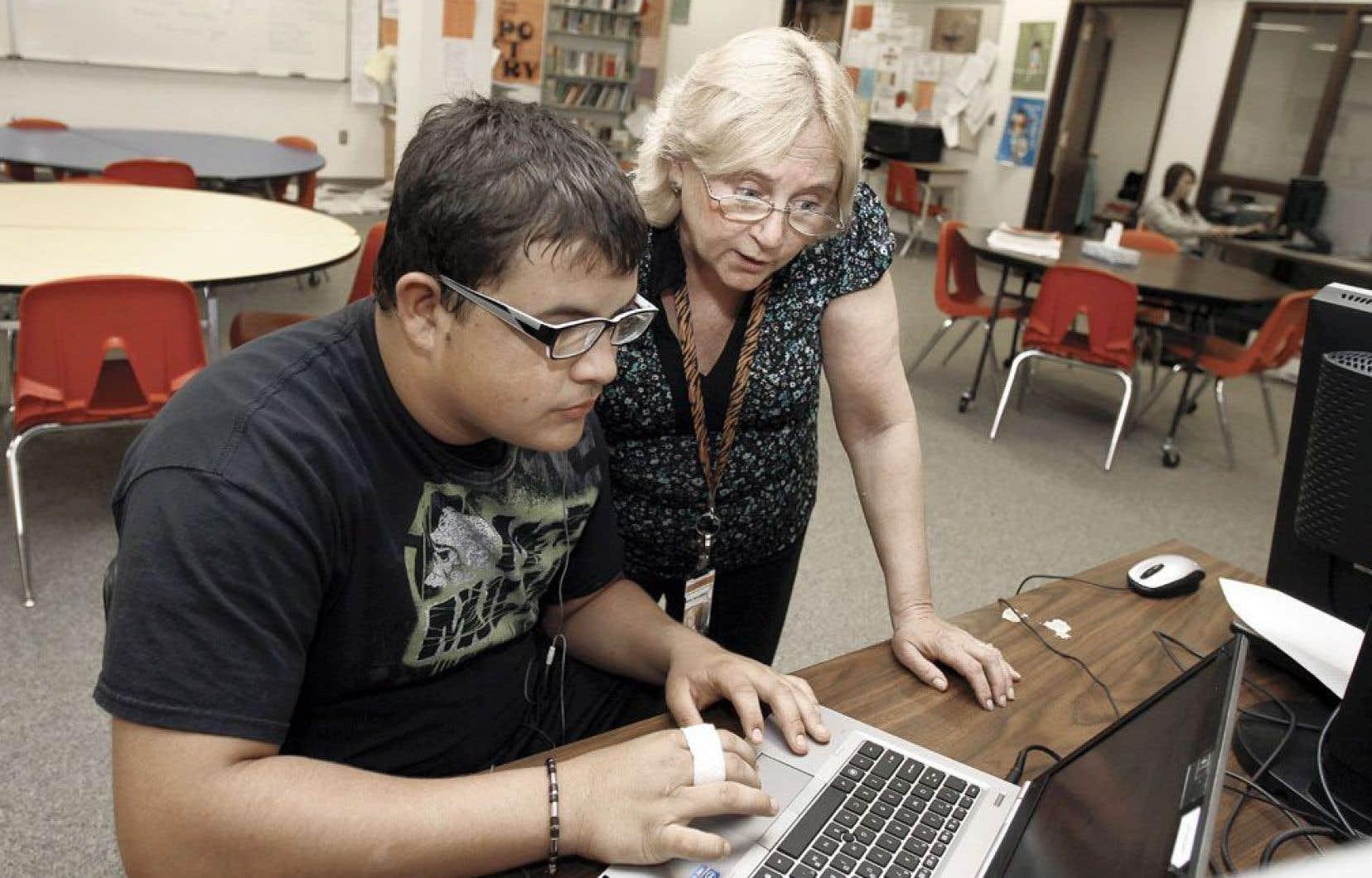 Depuis une dizaine d'années, une grande évolution s'est produite dans l'univers des logiciels spécialisés pour les élèves aux prises avec des obstacles neurologiques ou avec des surcharges cognitives dans un contexte d'apprentissage.