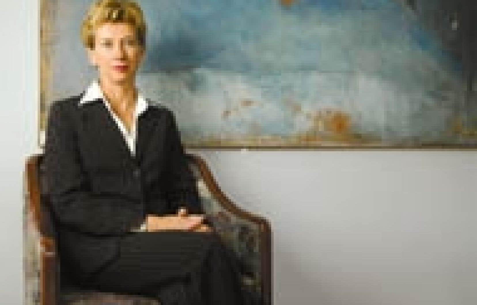 Louise Bertrand, directrice générale de la Télé-université et artisane de l'alliance controversée avec l'UQAM. «Le fait, dit Mme Bertrand, d'avoir accès tant à la formation en ligne qu'aux trois heures consécutives assis dans une salle