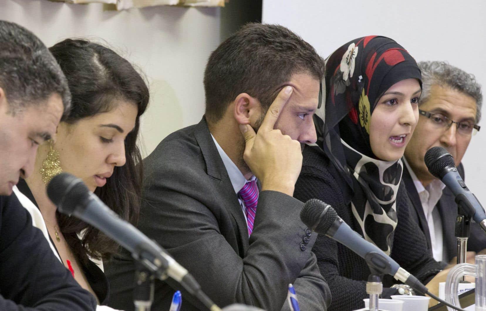 Plusieurs leaders de la communauté étaient réunis lundi soir à Montréal pour réfléchir aux attentats de la dernière semaine.