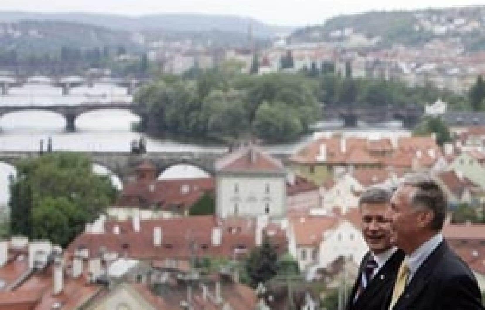 Le premier ministre tchèque, Mirek Topolanek, a accueilli Stephen Harper à Prague.
