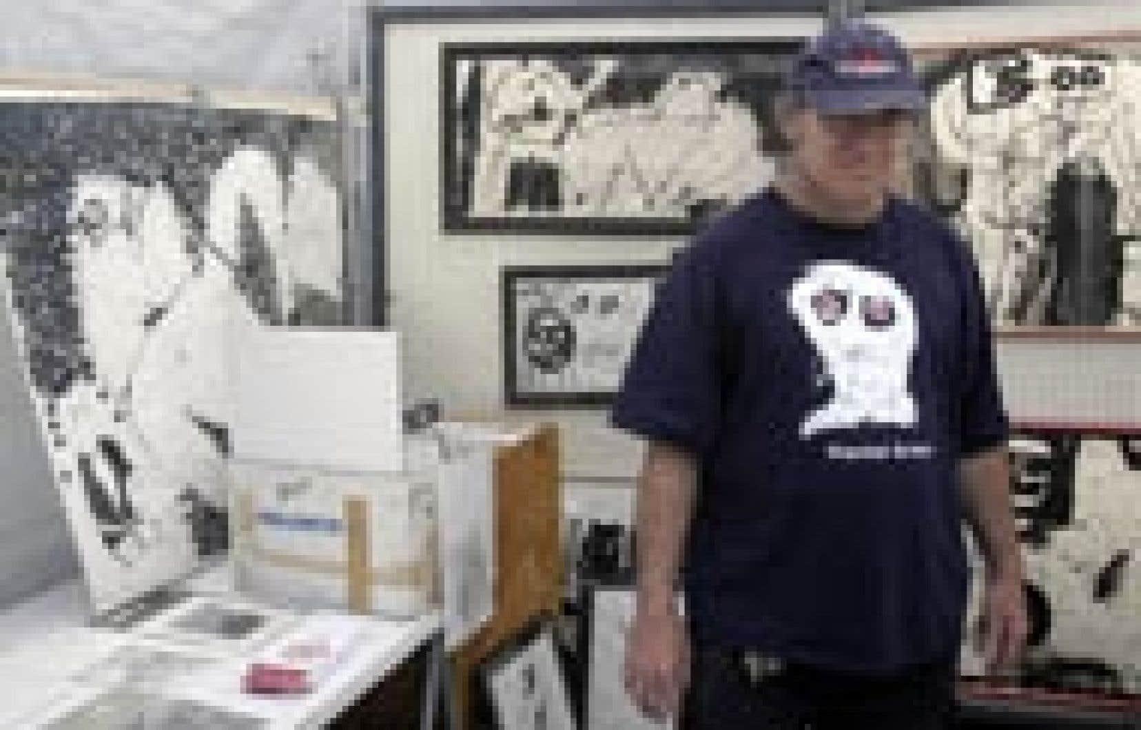 Le Grand Prix du 6e Festival Montréal en Arts, qui se tenait cette fin de semaine rue Sainte-Catherine, a été remporté par le dessinateur et graveur Daniel Erban.