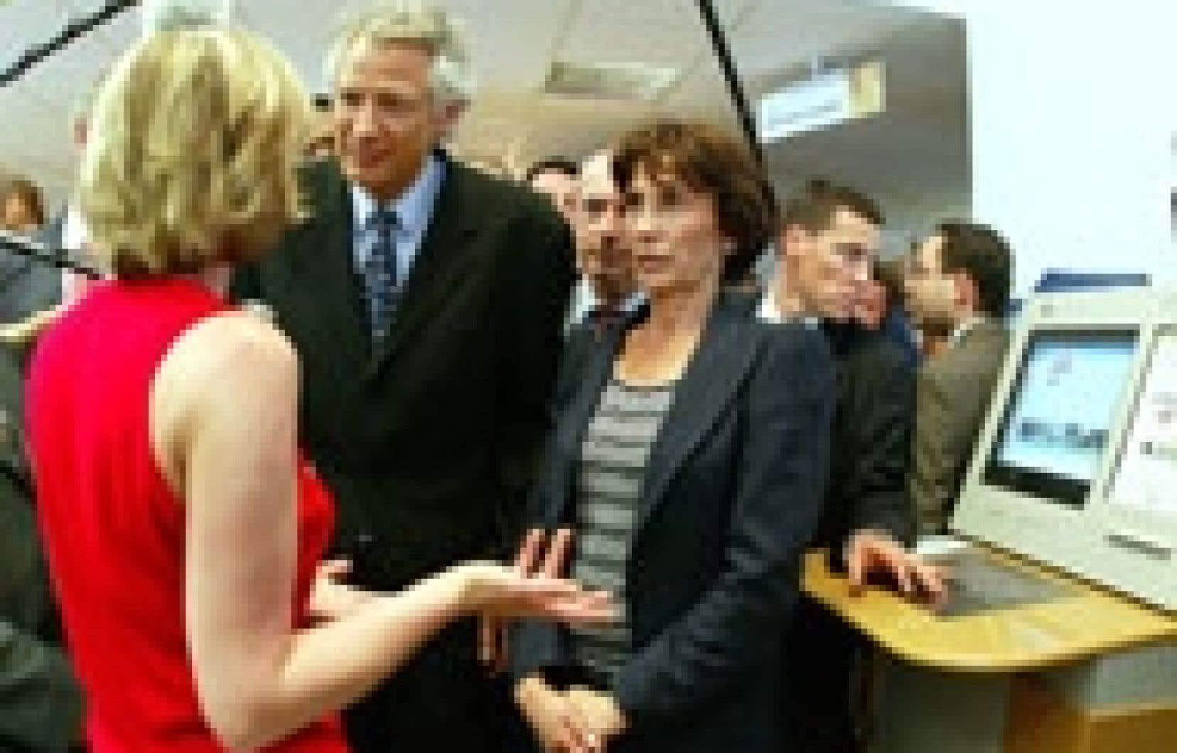 Dominique de Villepin a effectué hier une première visite hautement symbolique dans une agence pour l'emploi.