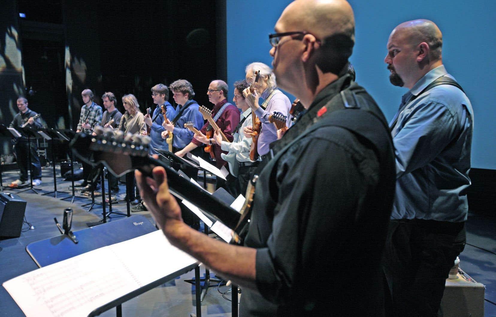 Dimanche 23 novembre, 13 h, au Centre Pierre-Péladeau, chacun apporte sa guitare et son câble, mais l'ampli sera fourni.