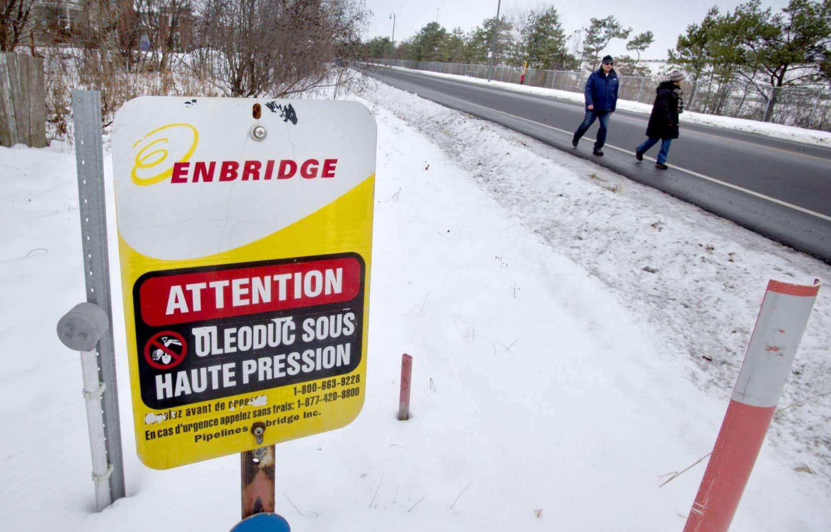Dans une lettre de 22 pages datée du 14 novembre, Enbridge tente de rassurer la CMM, organisme regroupant 82 villes.