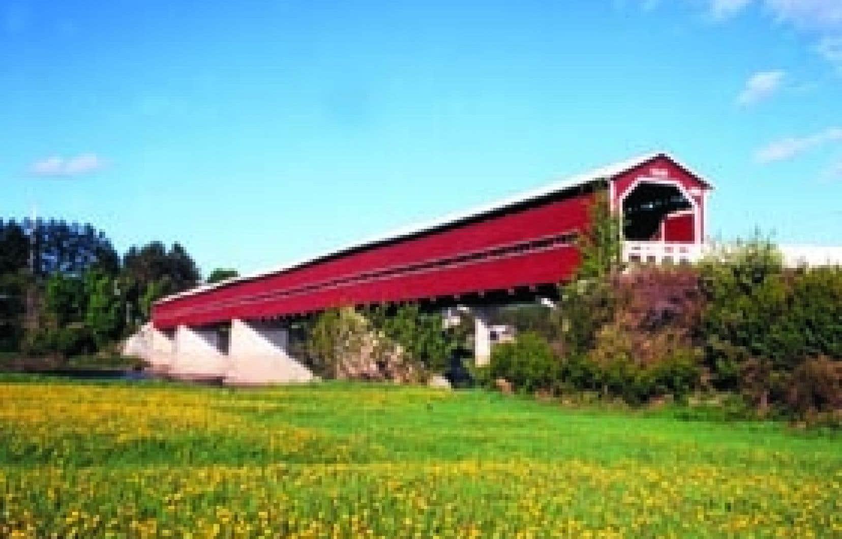 Le plus long pont couvert du Québec, à Notre-Dame-des-Pins.