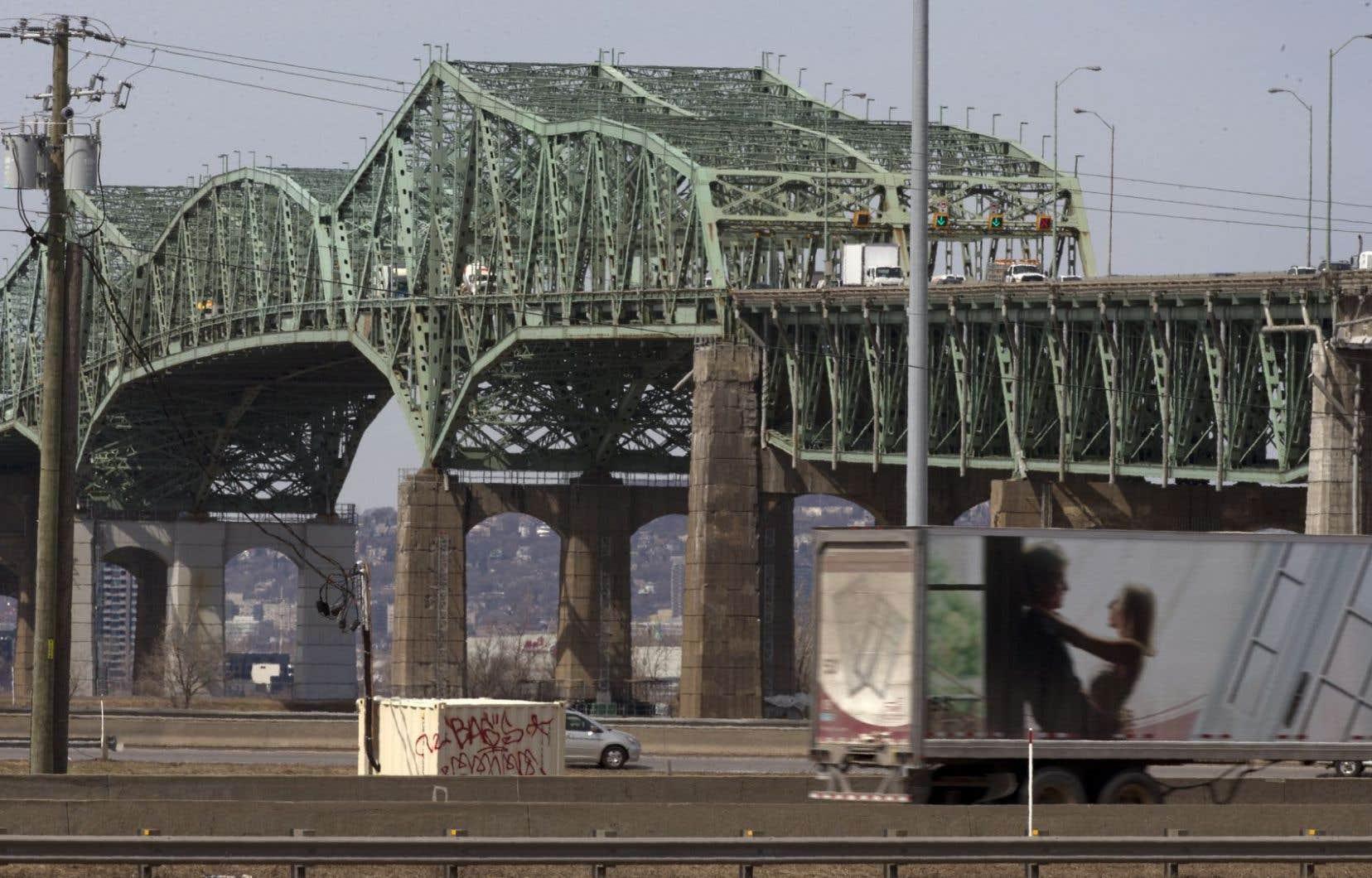 Il y a trois semaines, le nom de Maurice Richard avait été enlevé de la réflexion du gouvernement fédéral pour le choix du nom du nouveau pont.
