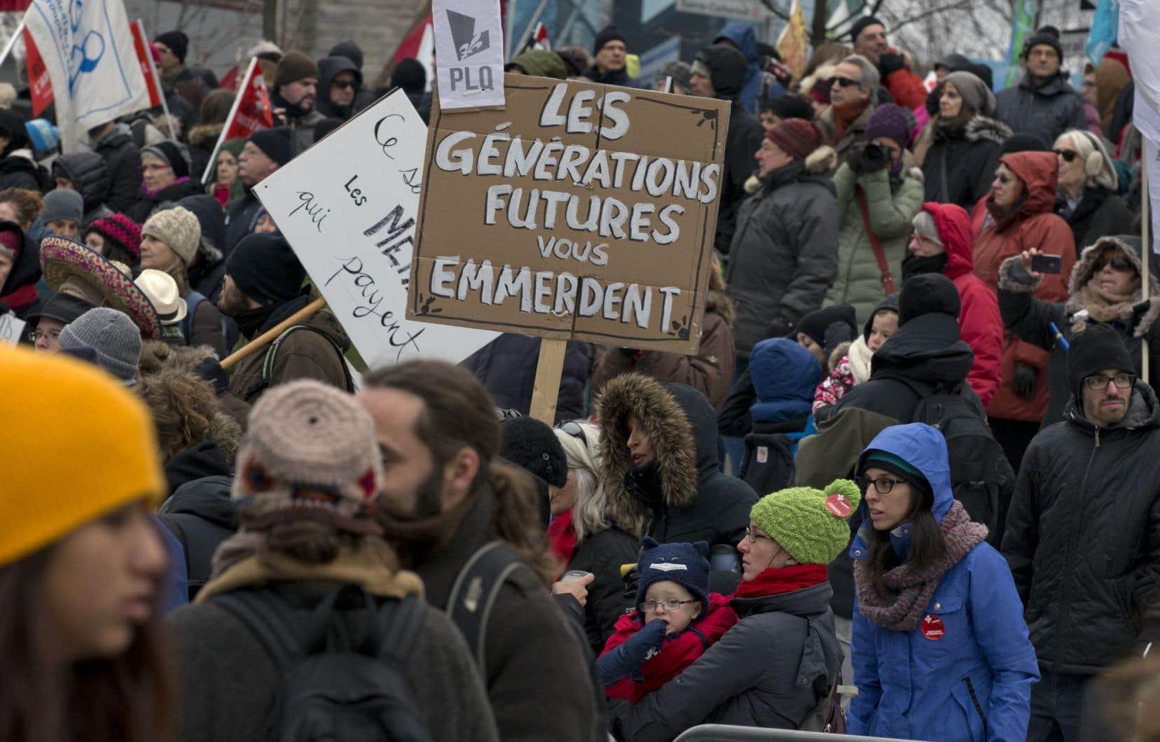 Des milliers de manifestants ont marché samedi dernier contre l'austérité.