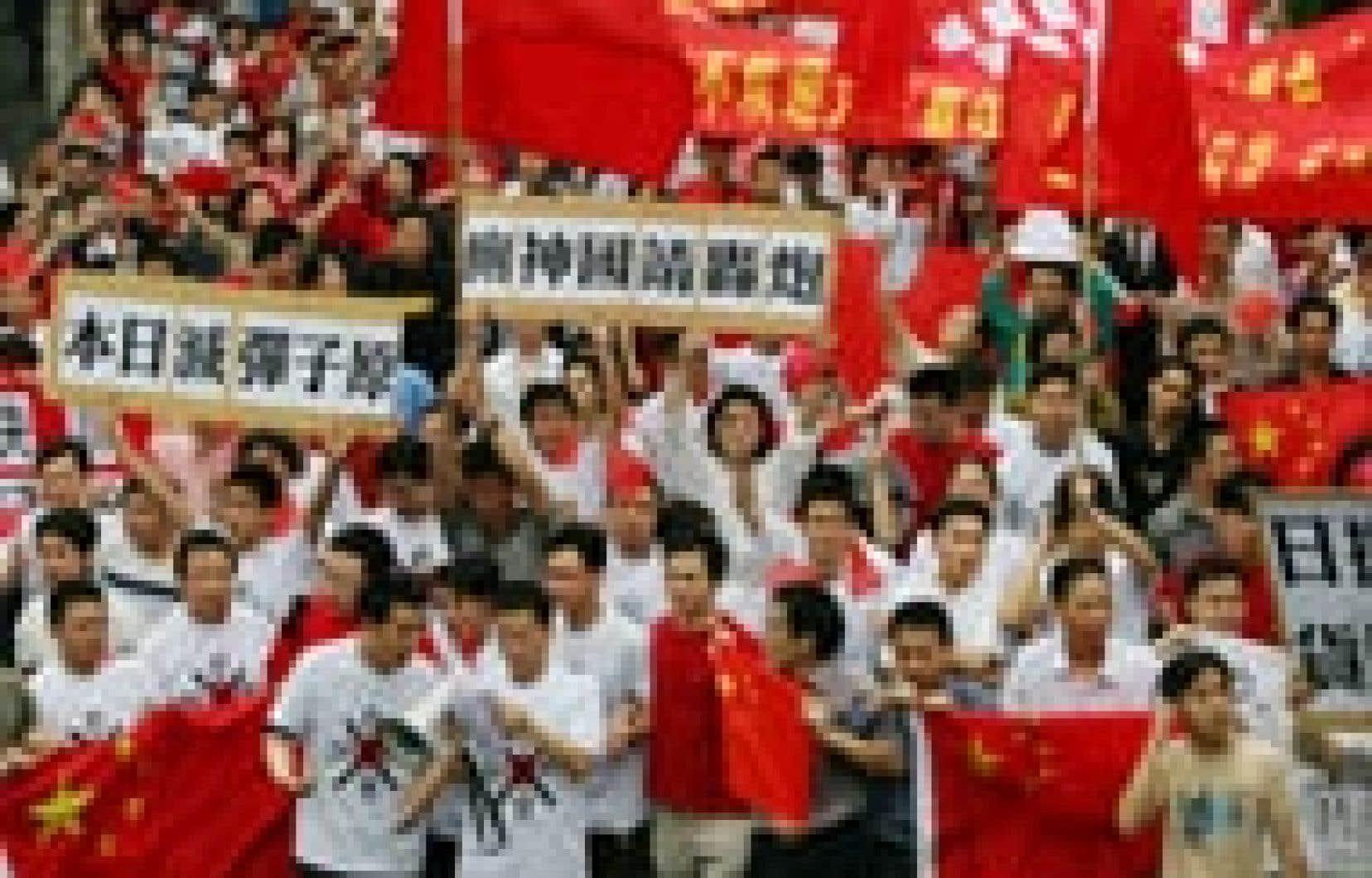 Des manifestations ont rassemblé quelque 30 000 Chinois dans plusieurs villes du pays au cours du week-end.