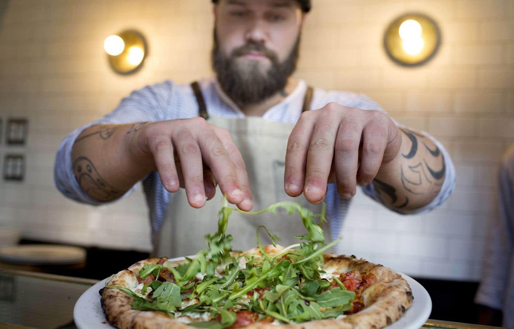 Au resto No900 Pizzeria napolitaine, on grignote et on se croirait à Milan, ou à Naples, dans un petit endroit gardé secret par les «locaux».