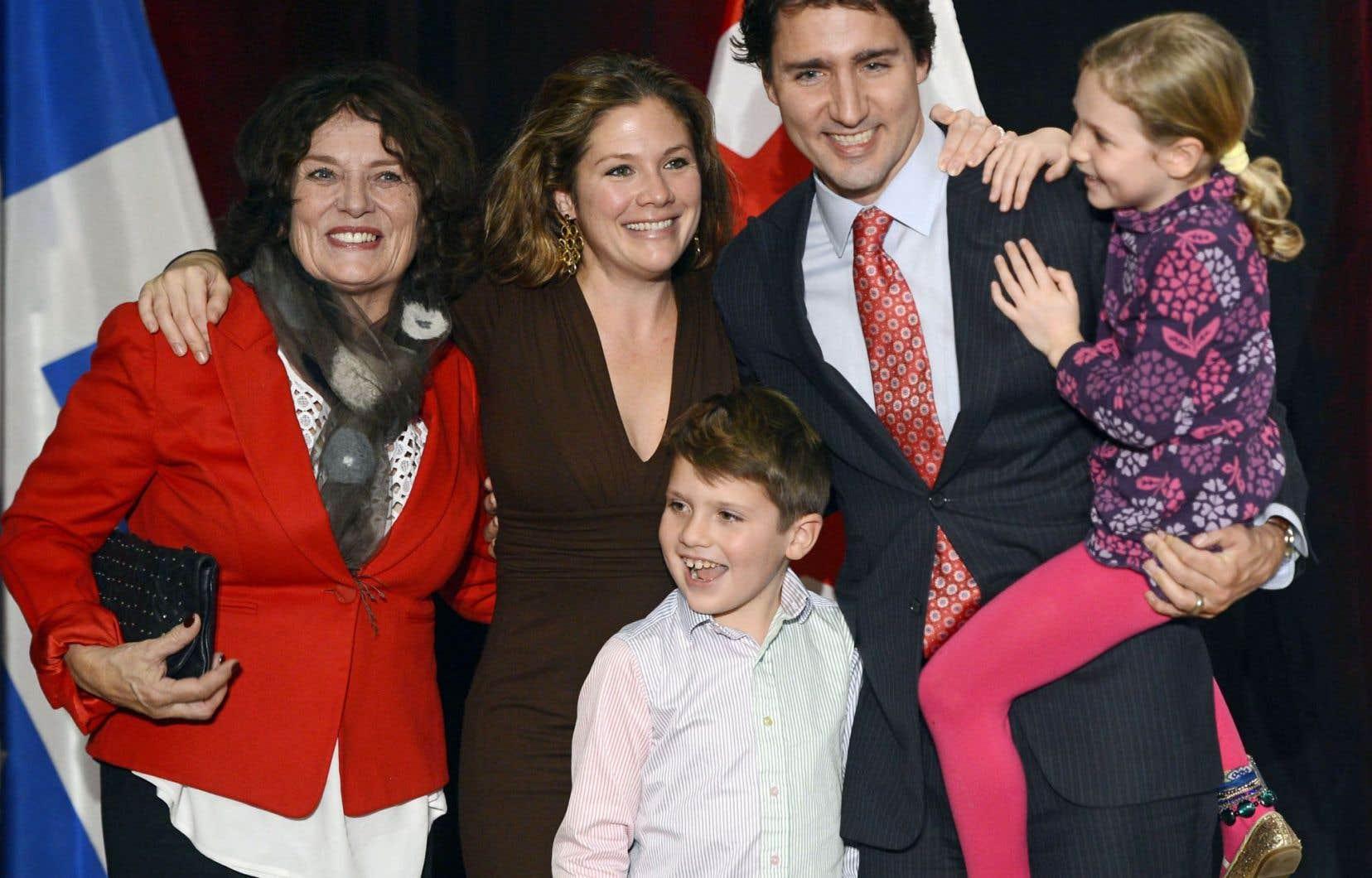Justin Trudeau et sa famille, dont sa mère, dans sa circonscription montréalaise
