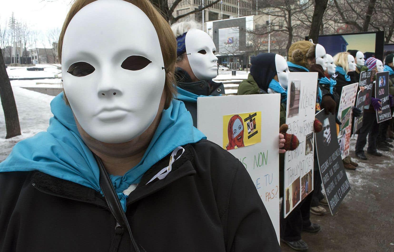 Une manifestation pour dénoncer la violence faite aux femmes l'an dernier à Montréal