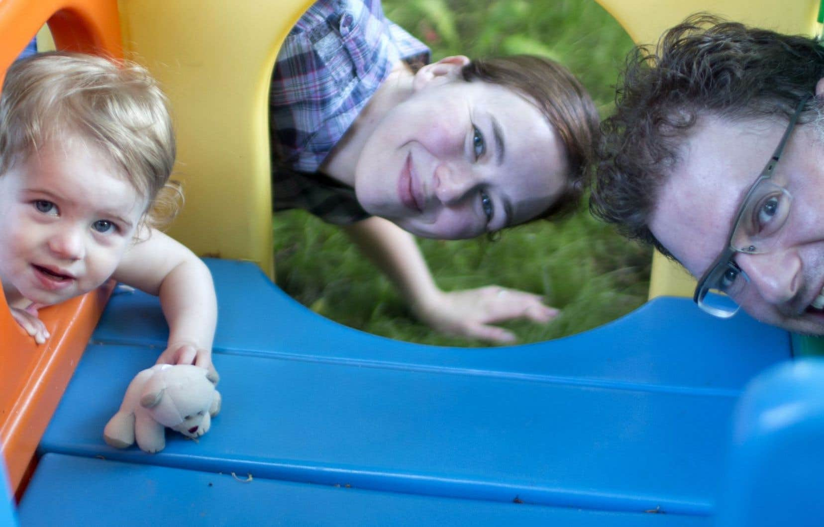 Christelle et Alain, parents d'une petite fille née du programme de procréation assistée