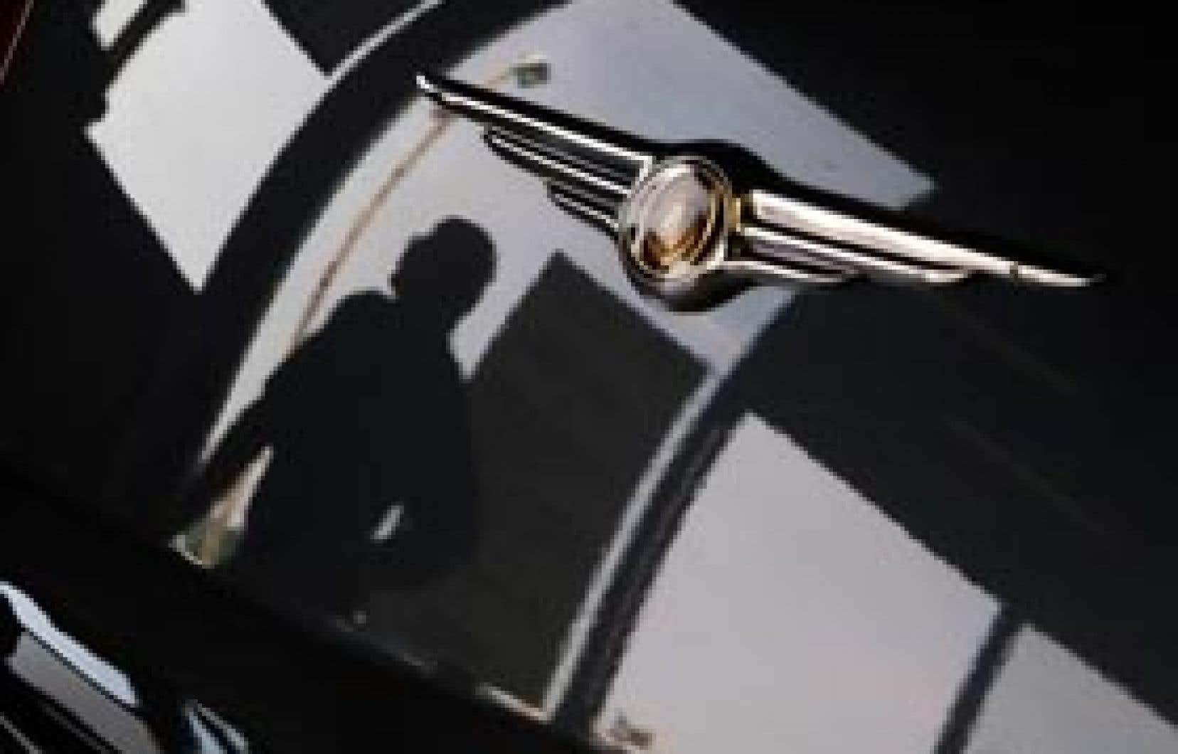 L'opération de sauvetage de Chrysler prévoit une prise de participation initiale de 20 % qui pourrait aller jusqu'à 35 % de Fiat dans le constructeur, une autre de 8 % du gouvernement américain et une de 2 % des gouvernements canadien et ontarien