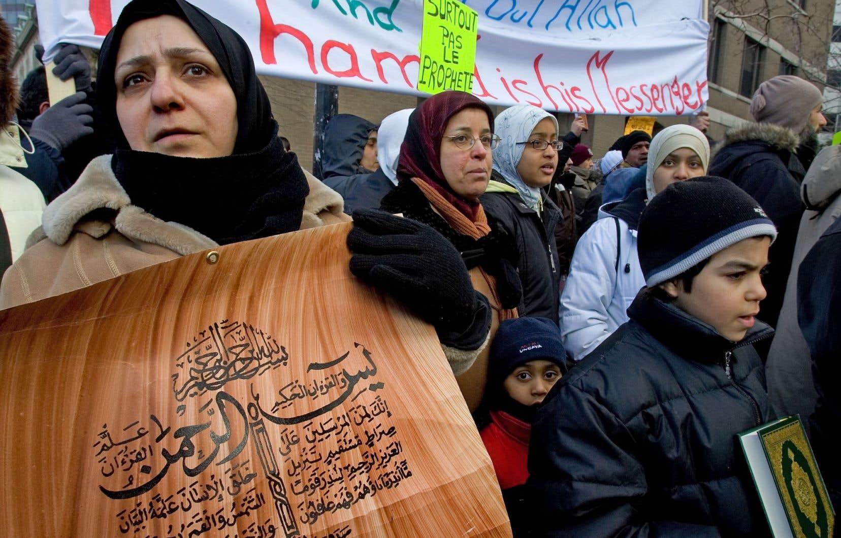 Manifestation à Montréal contre la publication de caricatures de Mahomet