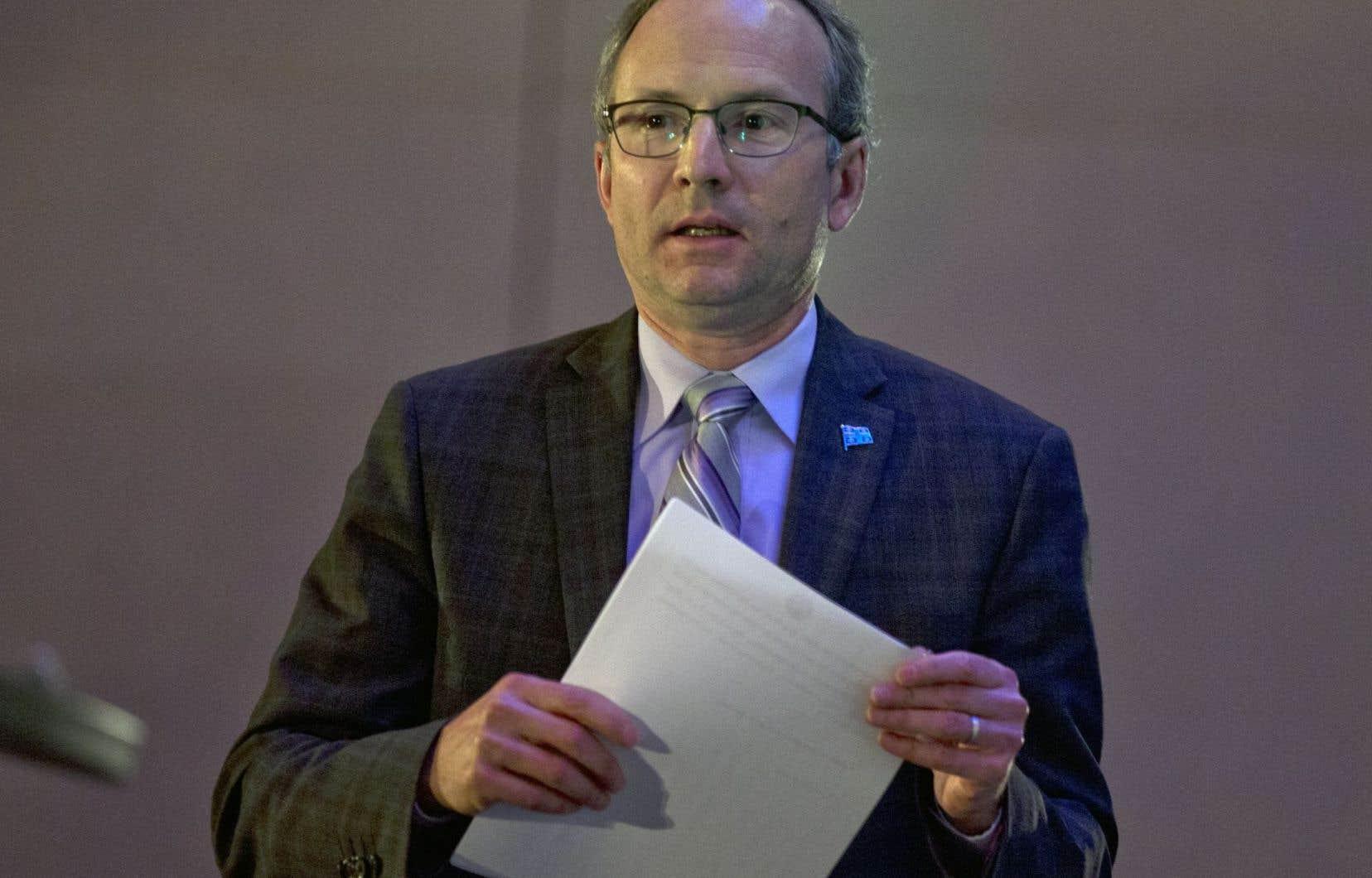 Les conditions de travail offertes dans le secteur public restent attrayantes, a affirmé en début de semaine le président du Conseil du trésor, Martin Coiteux.<br />