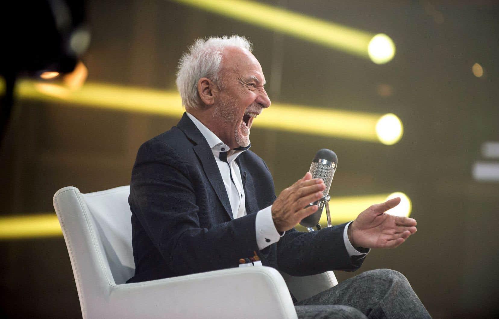 Yvon Deschamps est sorti de sa retraite pour ces deux émissions et s'ouvre joyeusement à Geneviève Borne comme à Monique Giroux.