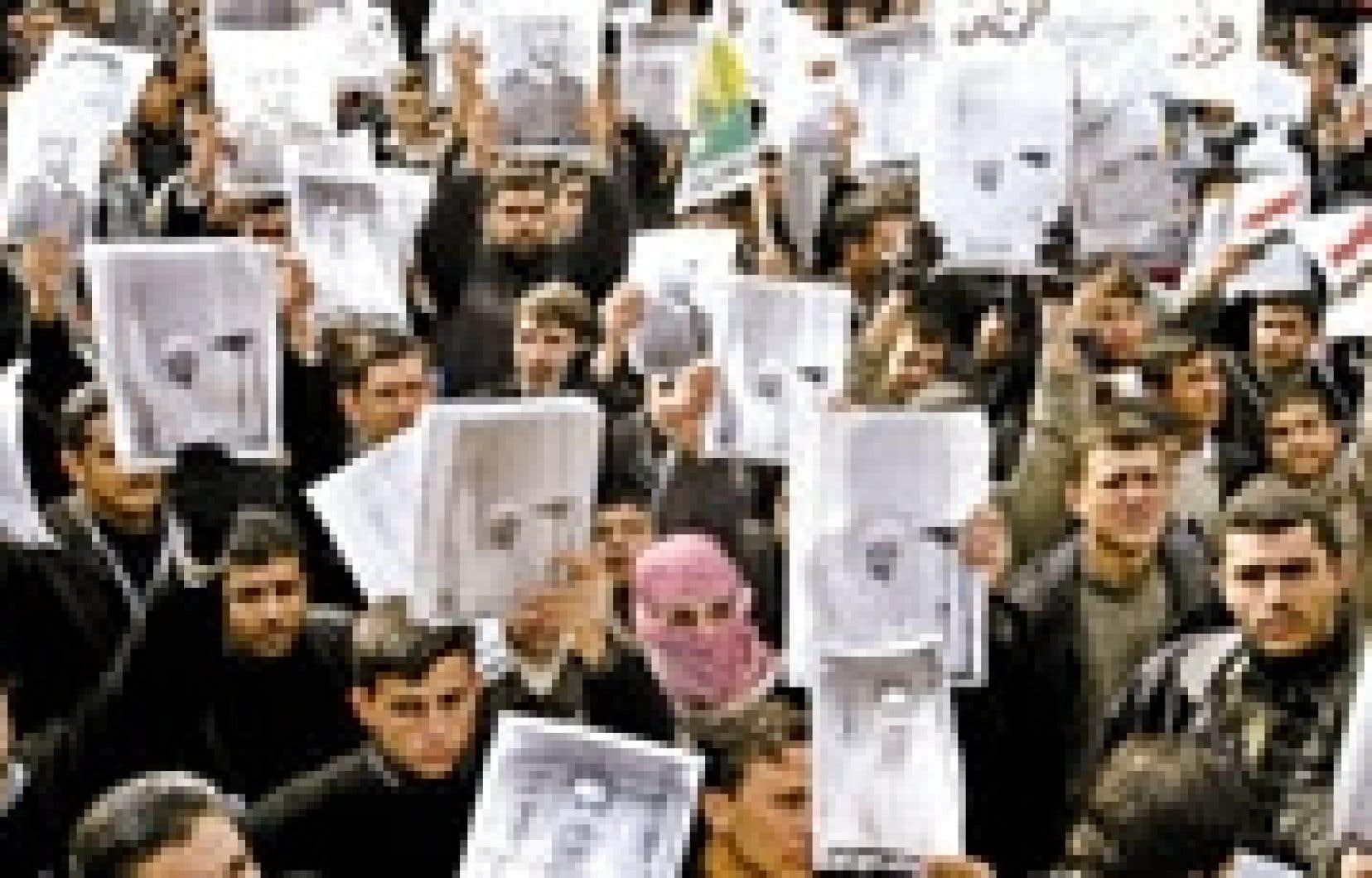 Peu avant l'attaque qui a fait 24 morts dans le réfectoire d'une base américaine à Mossoul, des centaines d'étudiants avaient manifesté dans le centre de la ville pour exiger que les troupes américaines cessent de s'introduire sans préveni