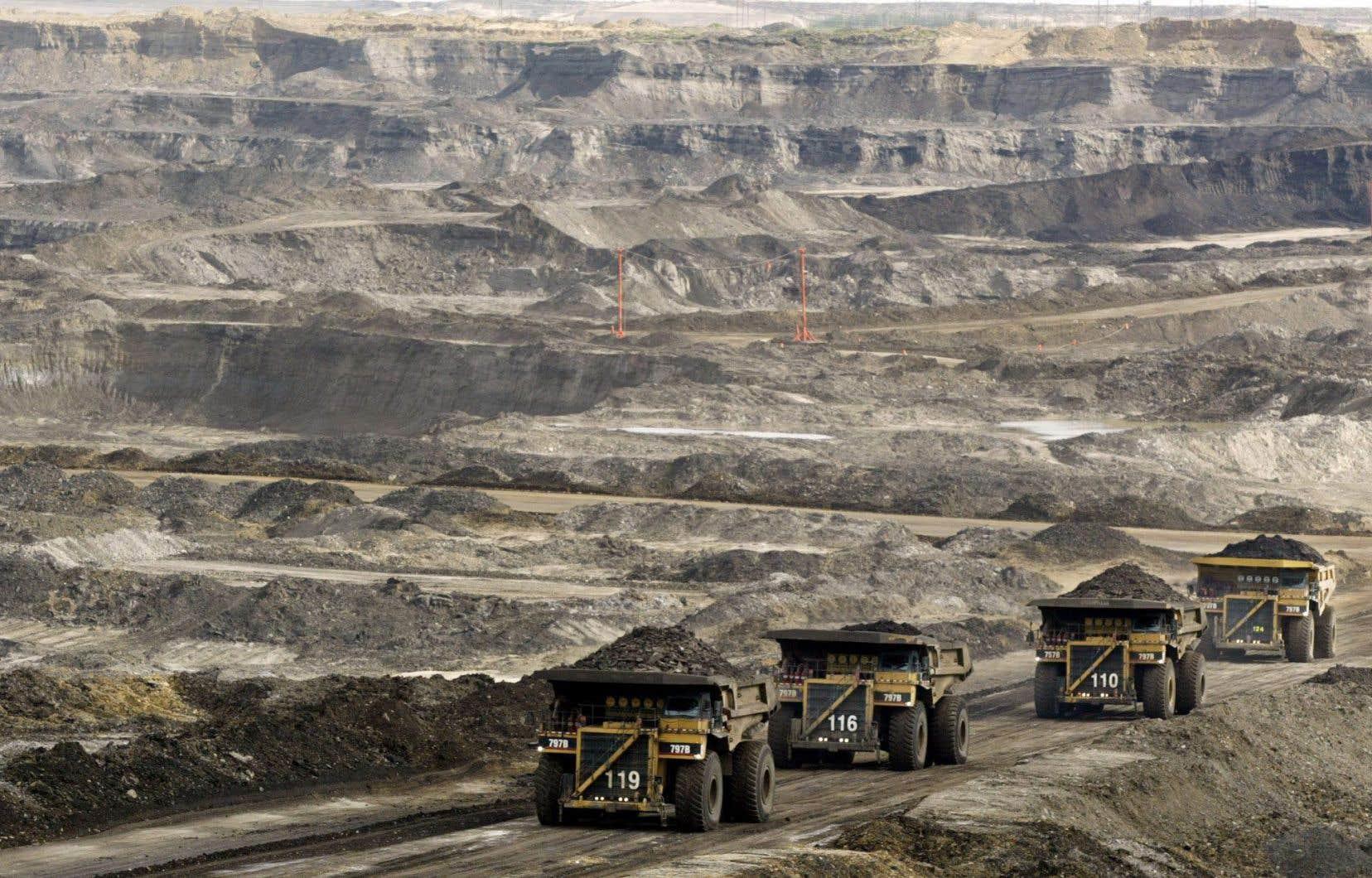 Le Canada devrait laisser plus de 85% de ses ressources dans le sol pour aider la planète à freiner le réchauffement climatique.