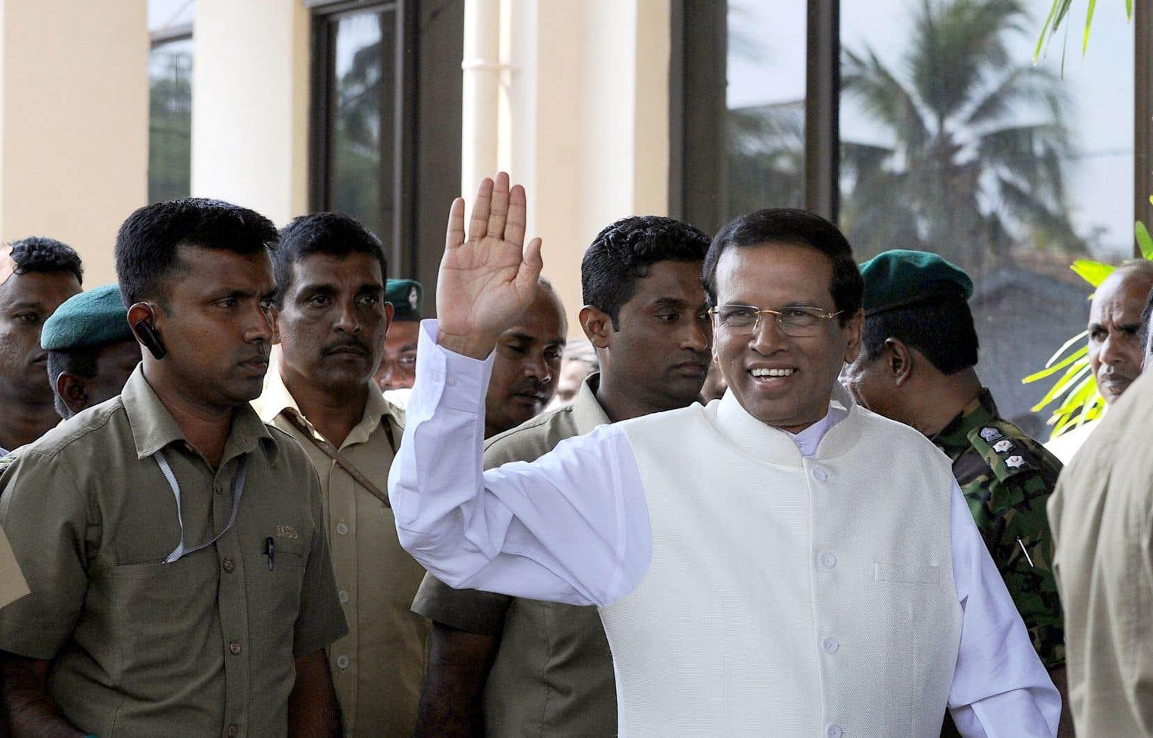 Maithripala Sirisena, le nouveau président, lors de son arrivée à Colombo, vendredi