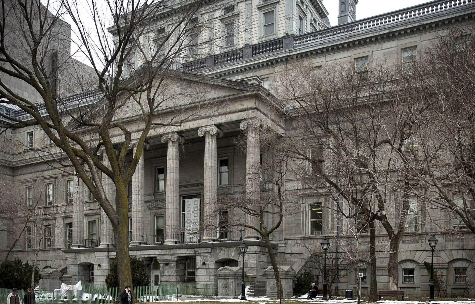 Au milieu du XIXesiècle, le «nouveau» palais de justice était le plus spacieux et le plus solennel au pays.