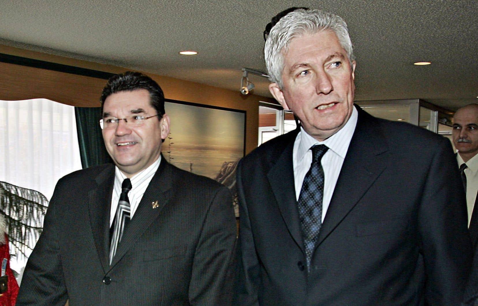 Michel Guimond (à gauche) en compagnie de l'ancien chef du Bloc québécois, Gilles Duceppe, en 2005