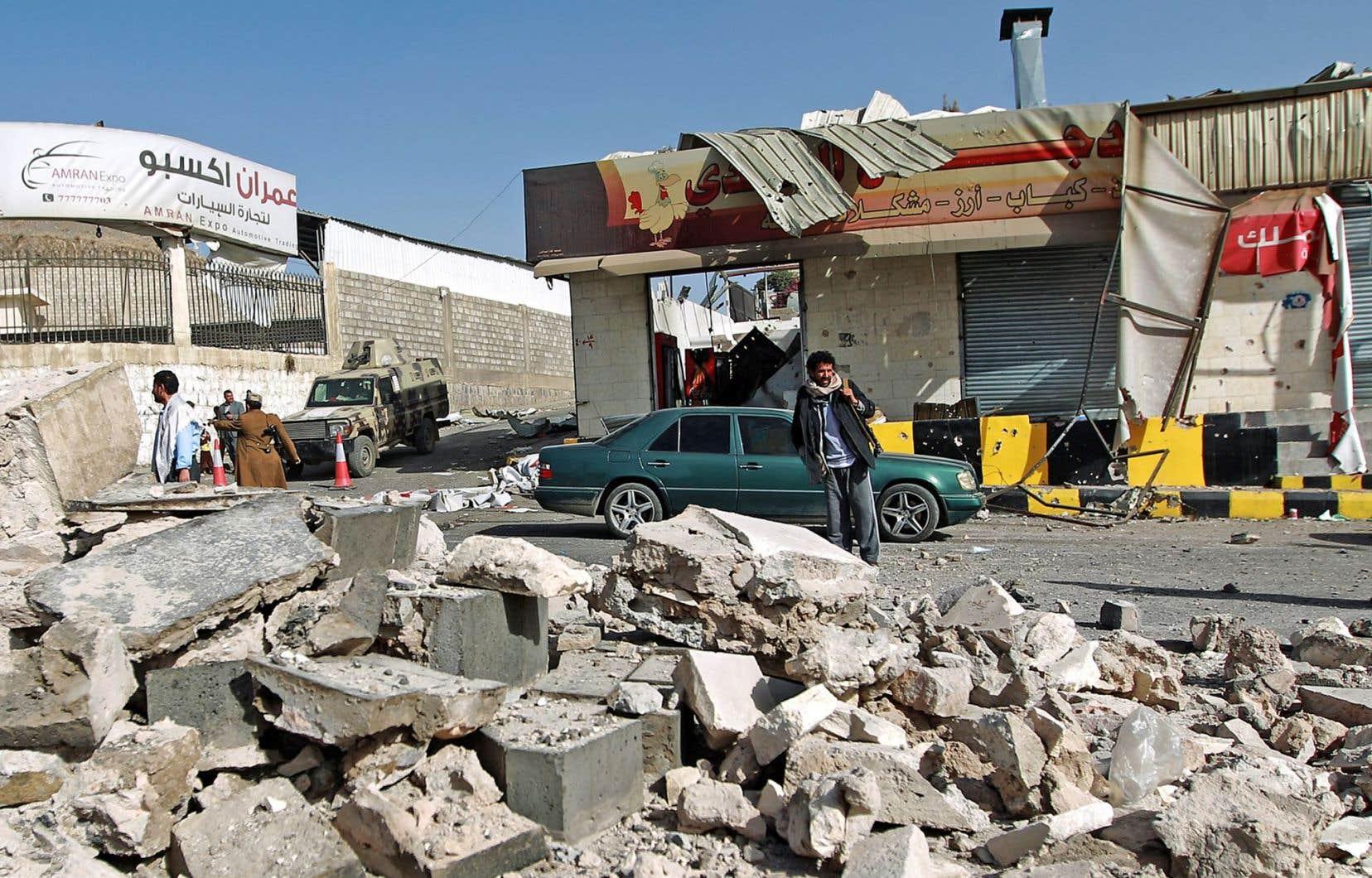 Les dommages sont importants près du palais présidentiel, à Sanaa.